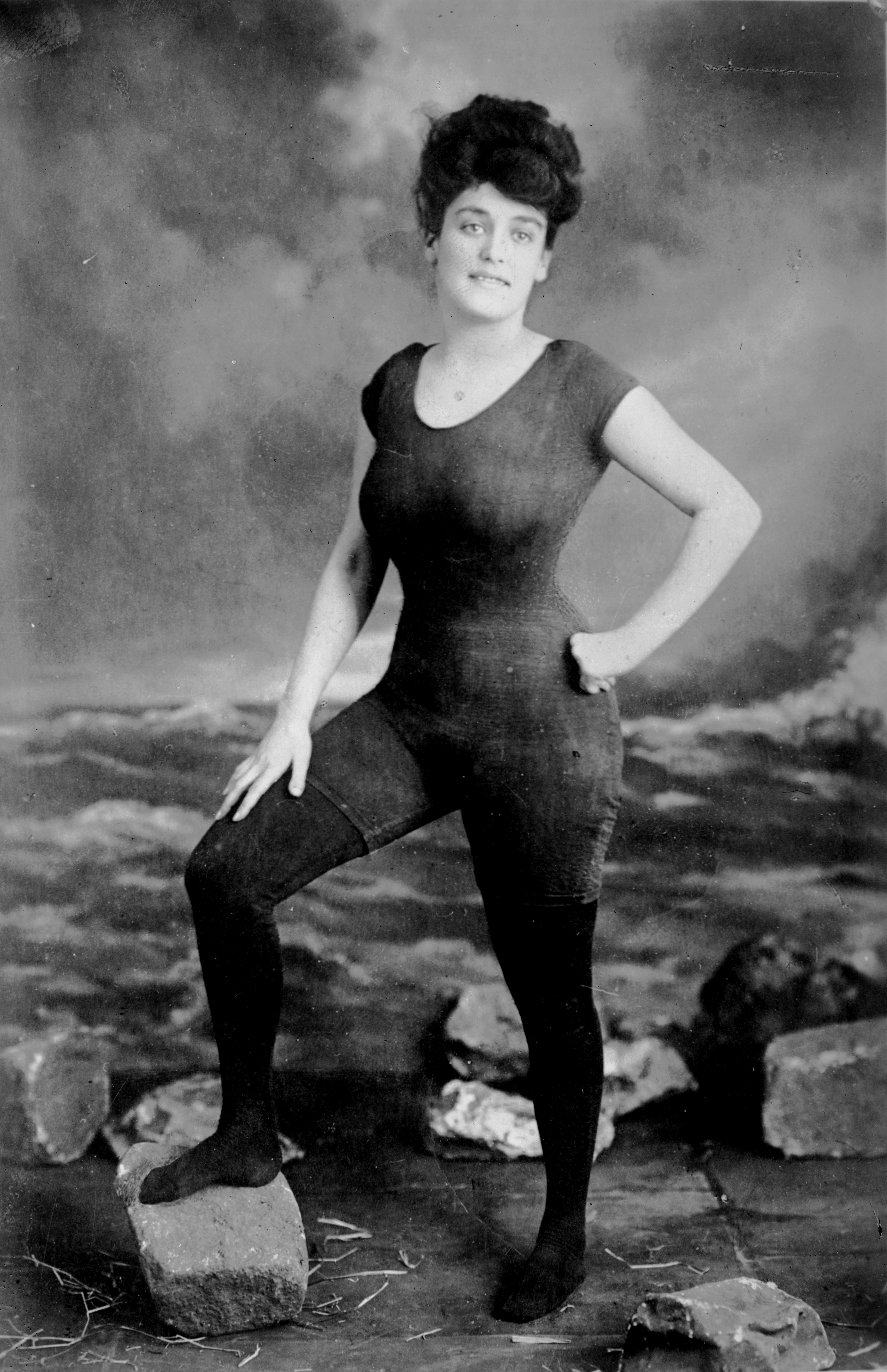 Annette Kellerman and her swimsuit