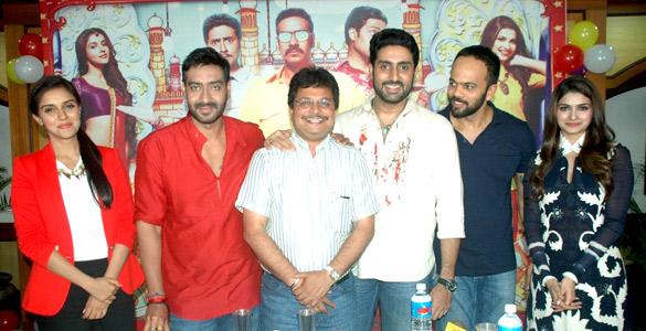 File:Asin, Ajay Devgn, Asit Modi, Abhishek Bachchan, Rohit Shetty, Prachi Desai 'Bol Bachchan' team on the sets of Taarak Mehta Ka Ooltah Chashmah 11.jpg