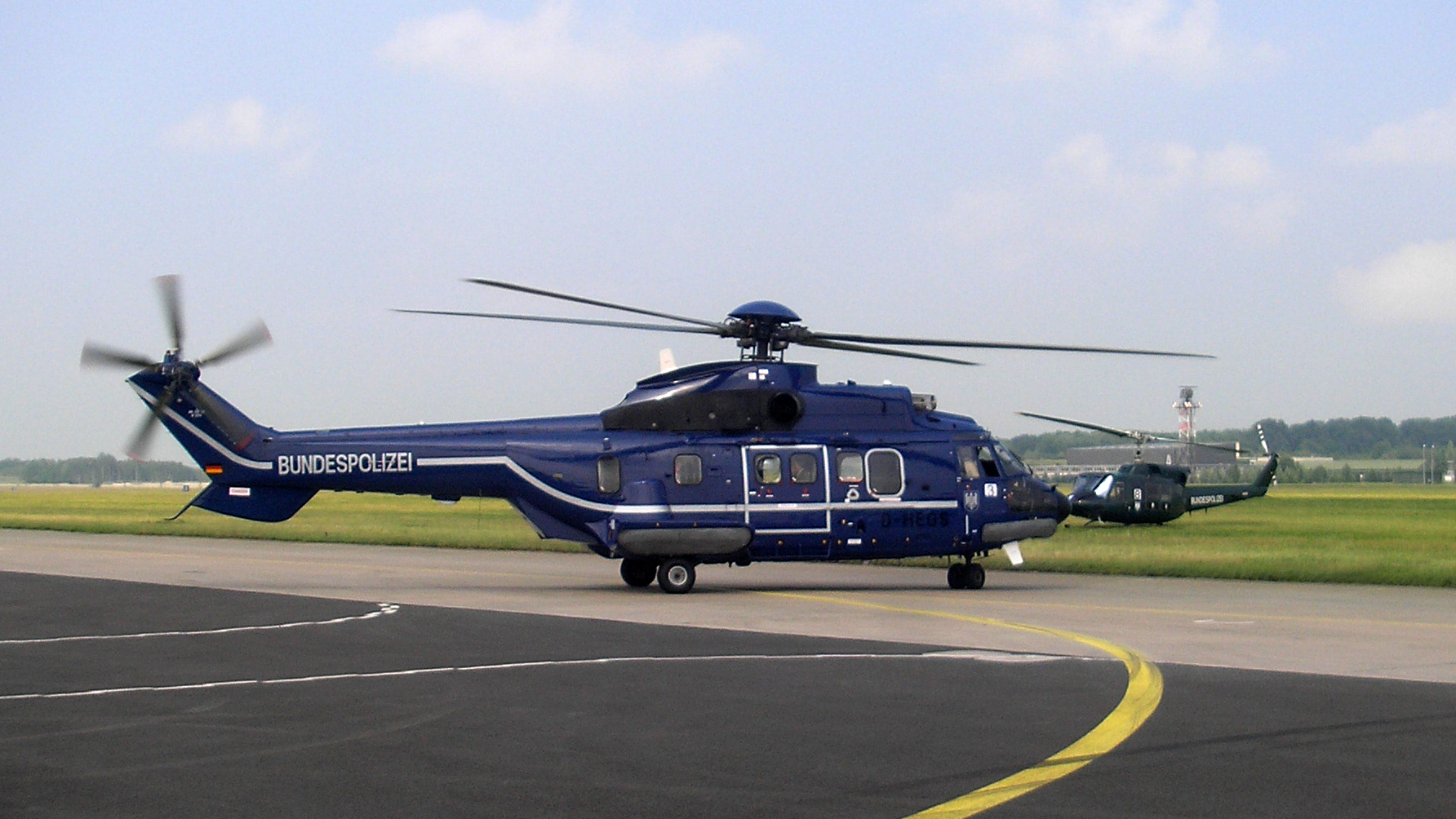 helicopter information with File Bundespolizei Helikopter Rostock 2007 on National Arts Marketing Development Ticketing Conference Special Offer Today as well gallatinrappelcrew further Monte Carlo together with Police Transporter likewise 642915.