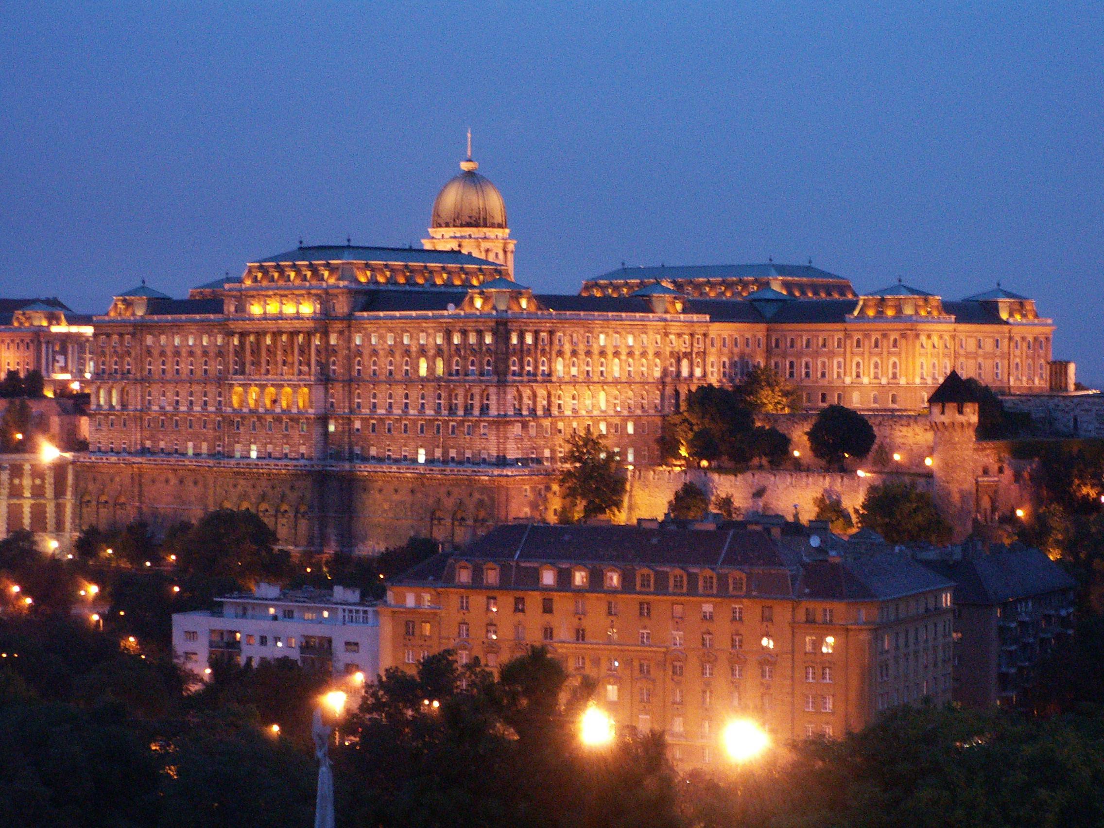 Castillo de Buda de noche
