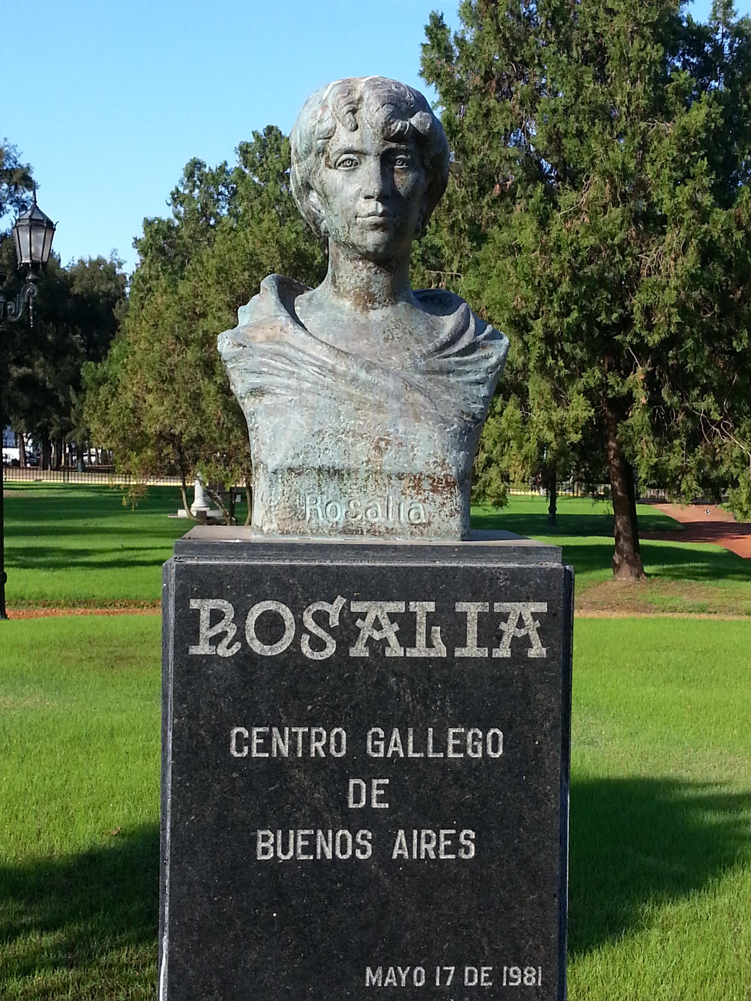 Busto de Rosalía de Castro en el Paseo de los Poetas, El Rosedal, Buenos Aires.