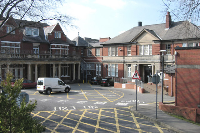 Caerphilly District Miners Hospital Wikipedia