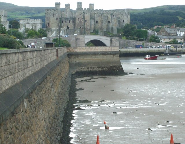 File:Conwy Castle from the Conwy embankment - geograph.org.uk - 1772091.jpg