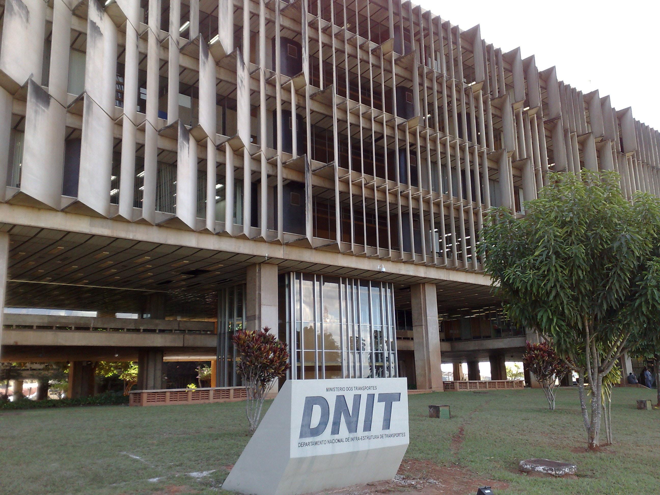Resultado de imagem para O Departamento Nacional de Infraestrutura de Transportes (Dnit)