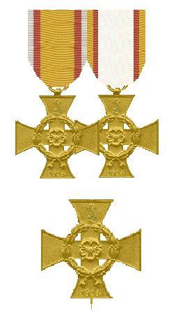 De kruisen van de Ie en IIe Klasse en de twee linten