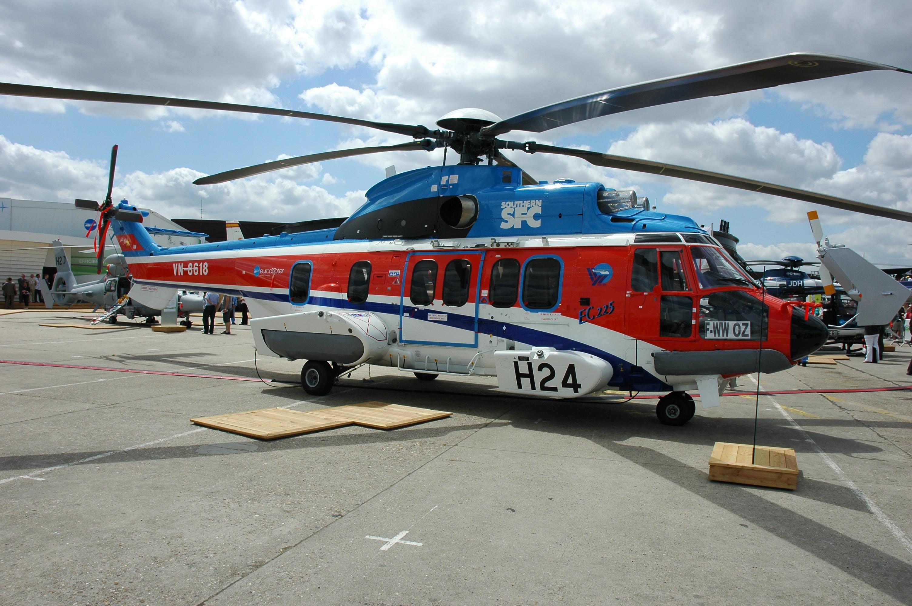 Eurocopter EC225 Super Puma – Wikipedia tiếng Việt
