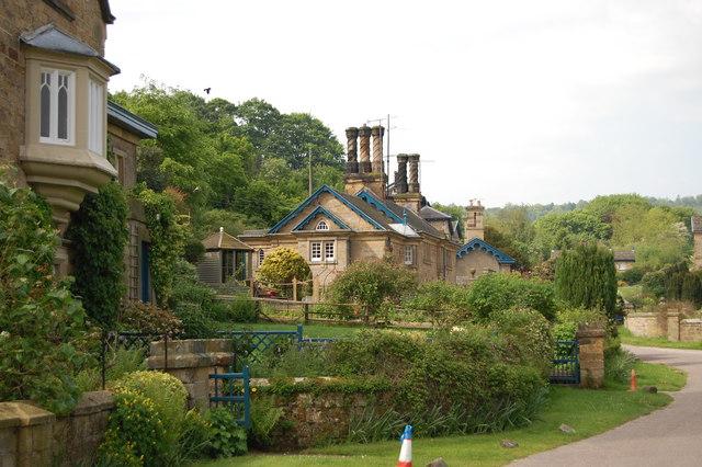 Edensor Village Houses - geograph.org.uk - 1319575