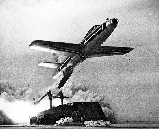 F-84_Thunderjet_ZELL.jpg