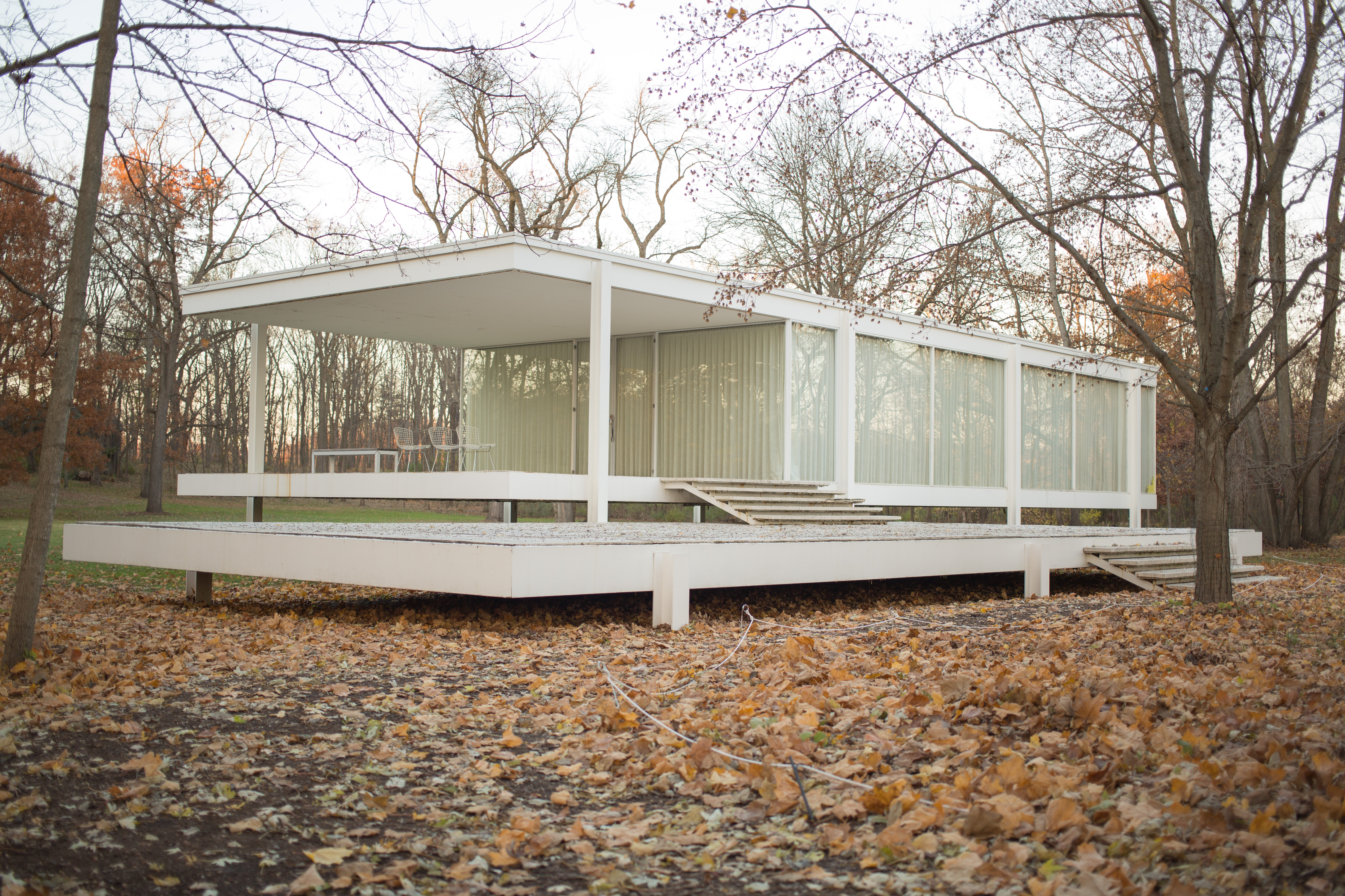 File:Farnsworth House By Mies Van Der Rohe   Exterior 9
