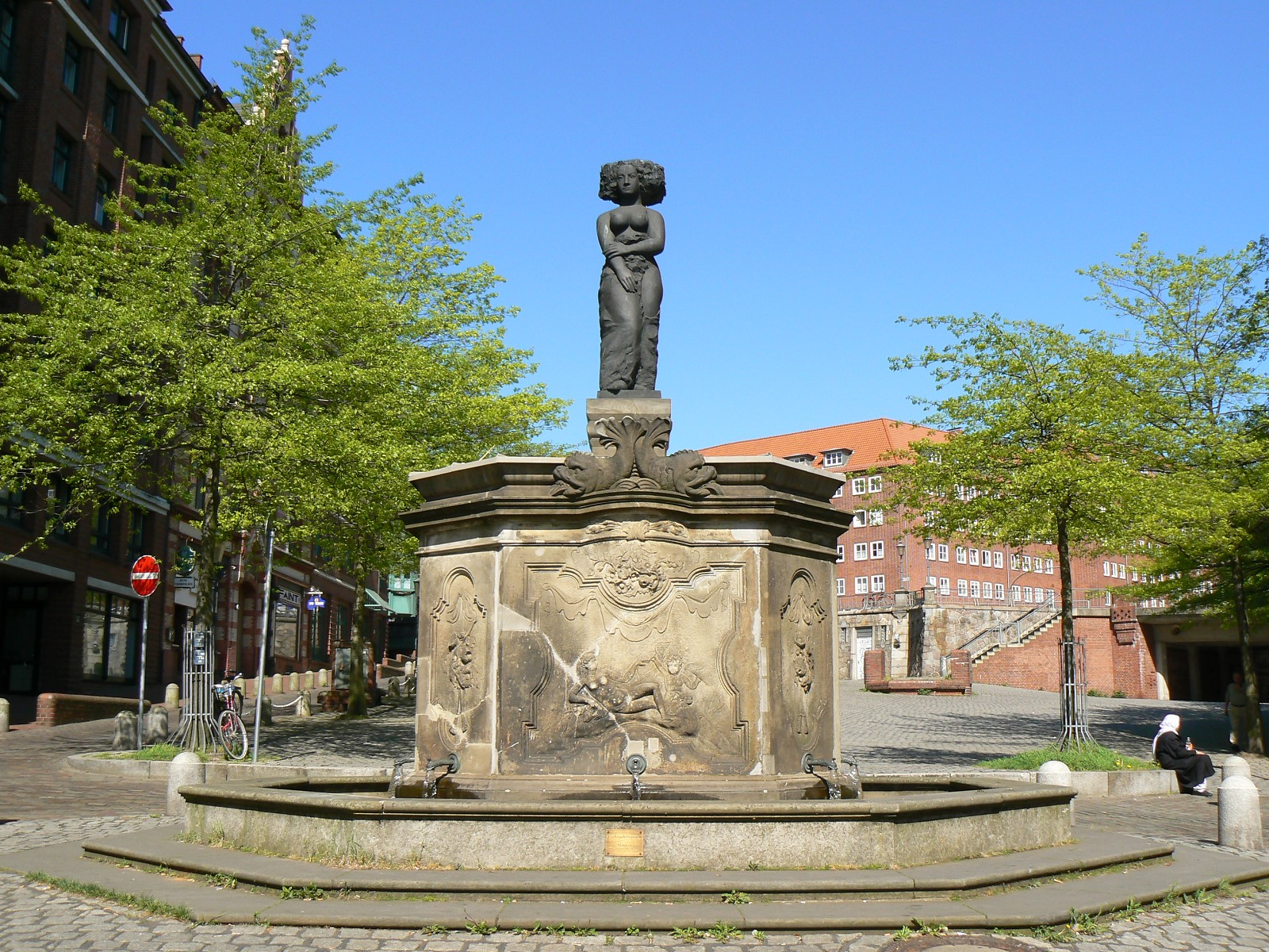 Brunnen Hamburg.Minervabrunnen Altona Wikipedia