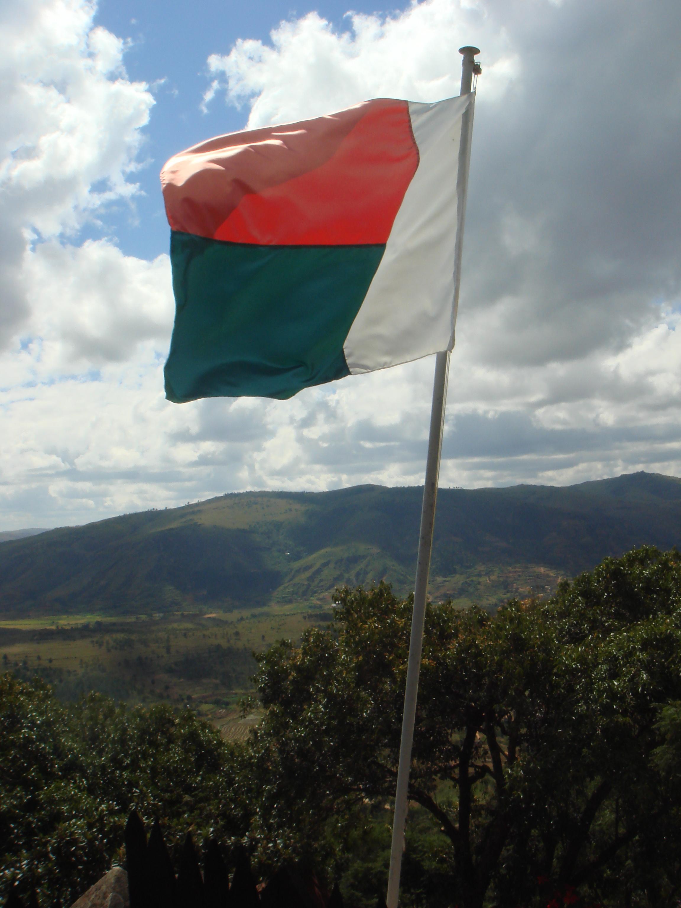 FileFlag Of Madagascarjpg Wikimedia Commons - Madagascar flag