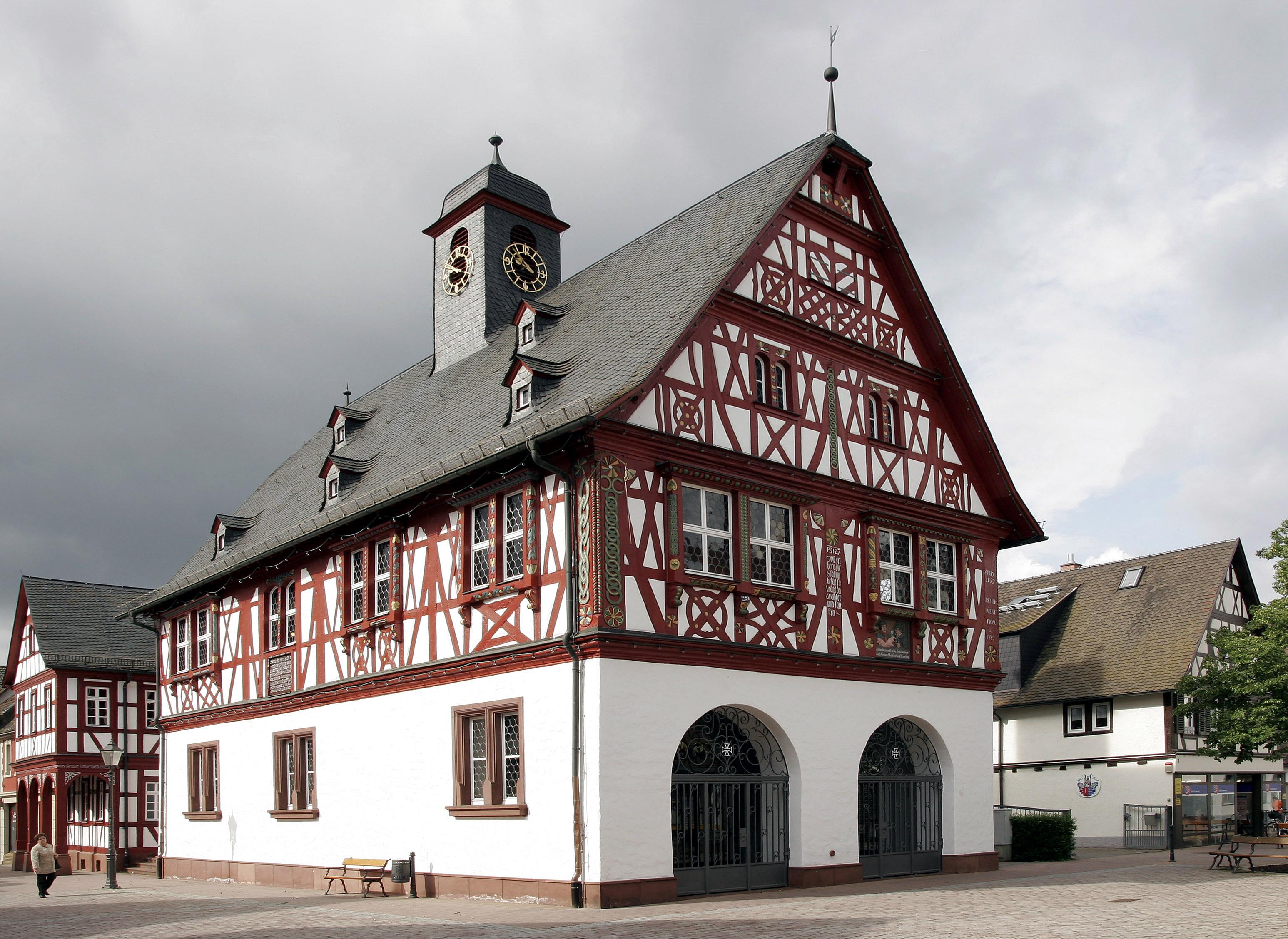 Gross-Gerau Germany  City new picture : Fichier:Gross Gerau Rathaus 01 — Wikipédia