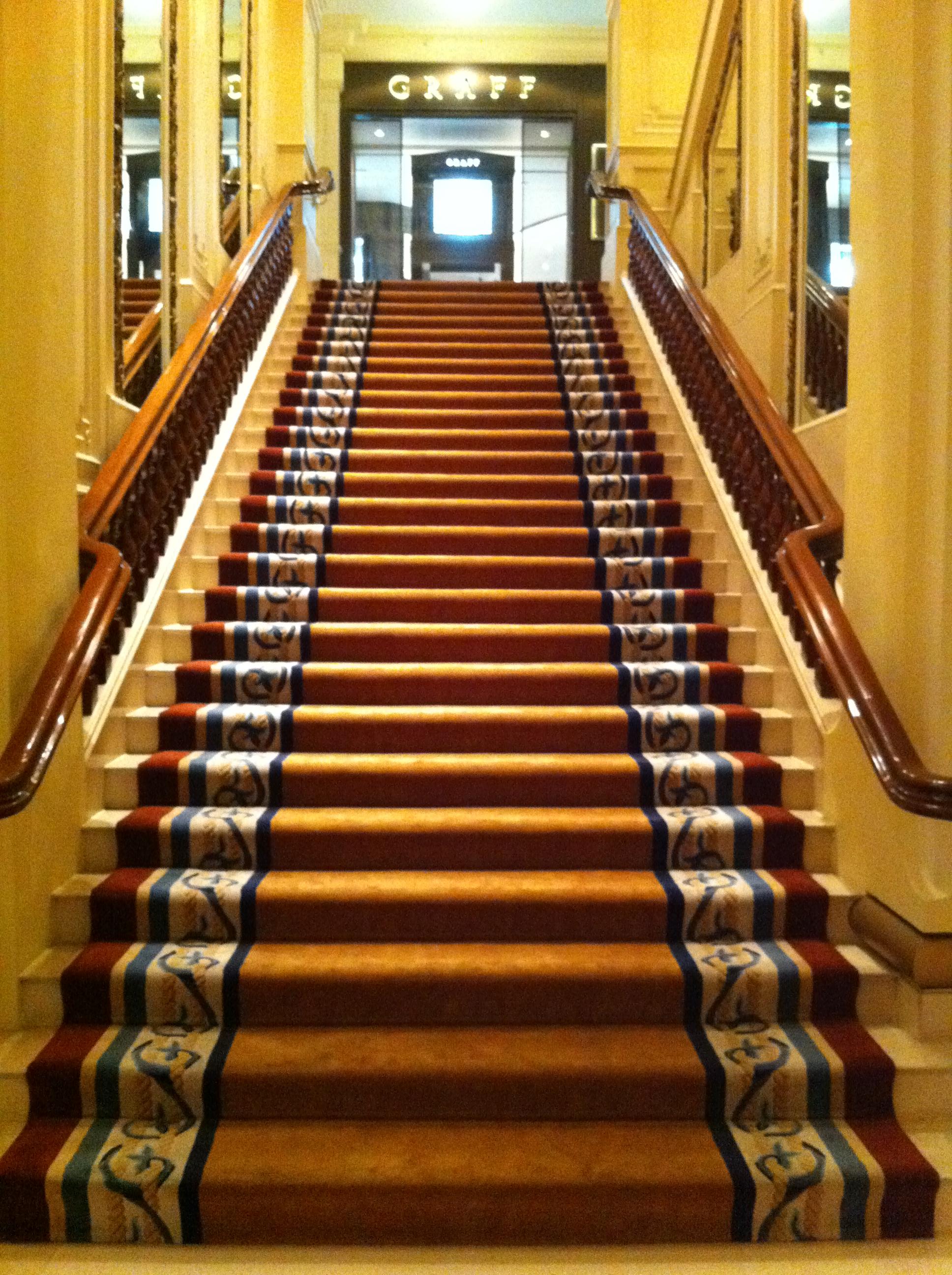 File:HK TST Peninsula Hotel Hong Kong interior Upstairs carpet Oct-2012.JPG - Wikimedia Commons