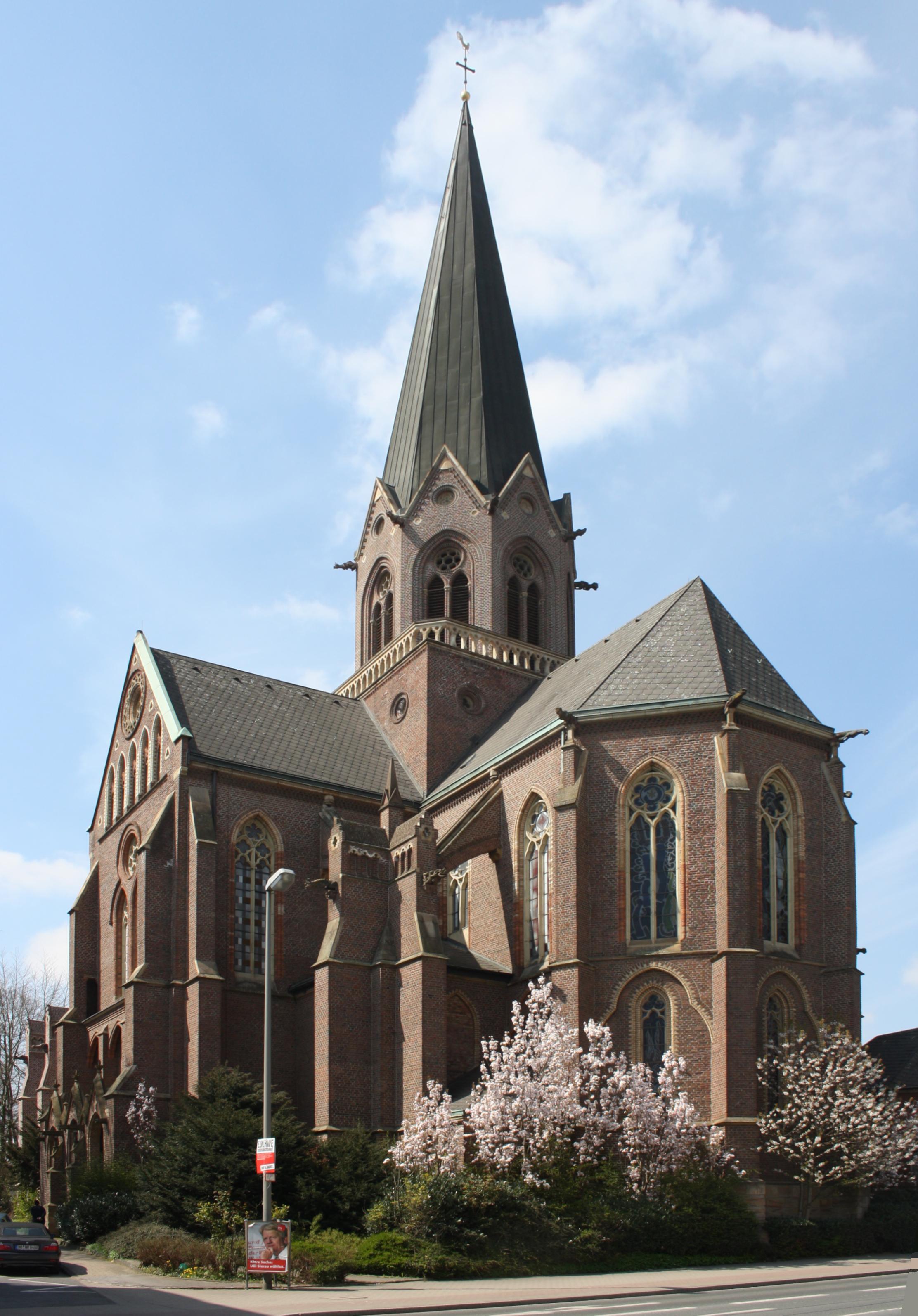 Hoerde Stiftskirche v SO.jpg