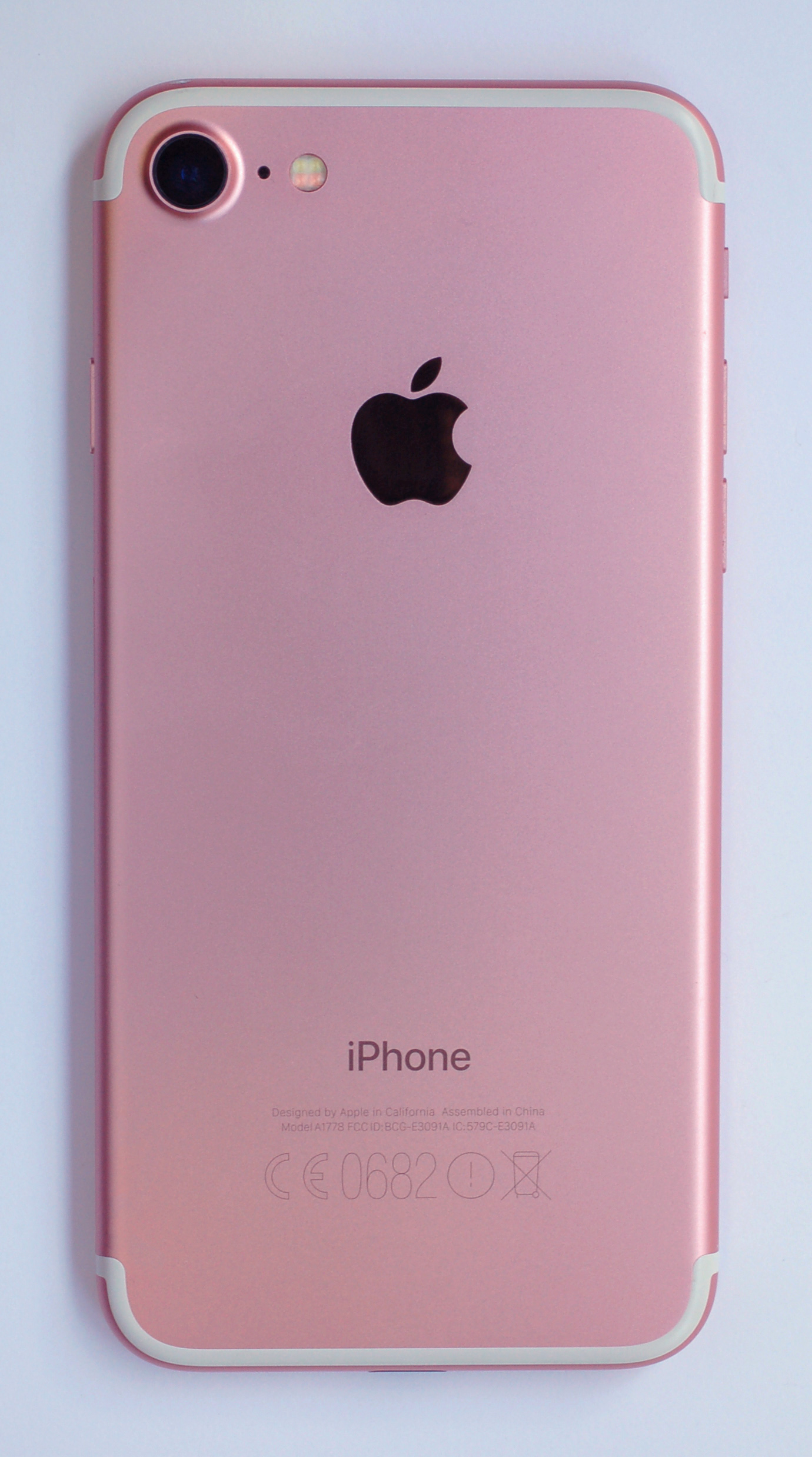 Iphone  Gold Gb