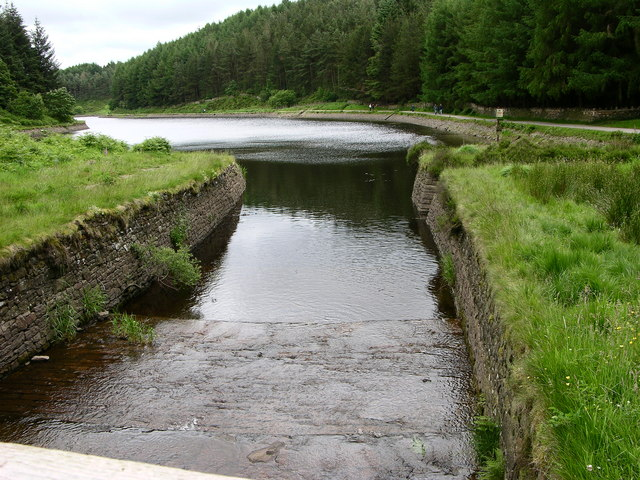 Inflow, Turton and Entwistle Reservoir - geograph.org.uk - 483225