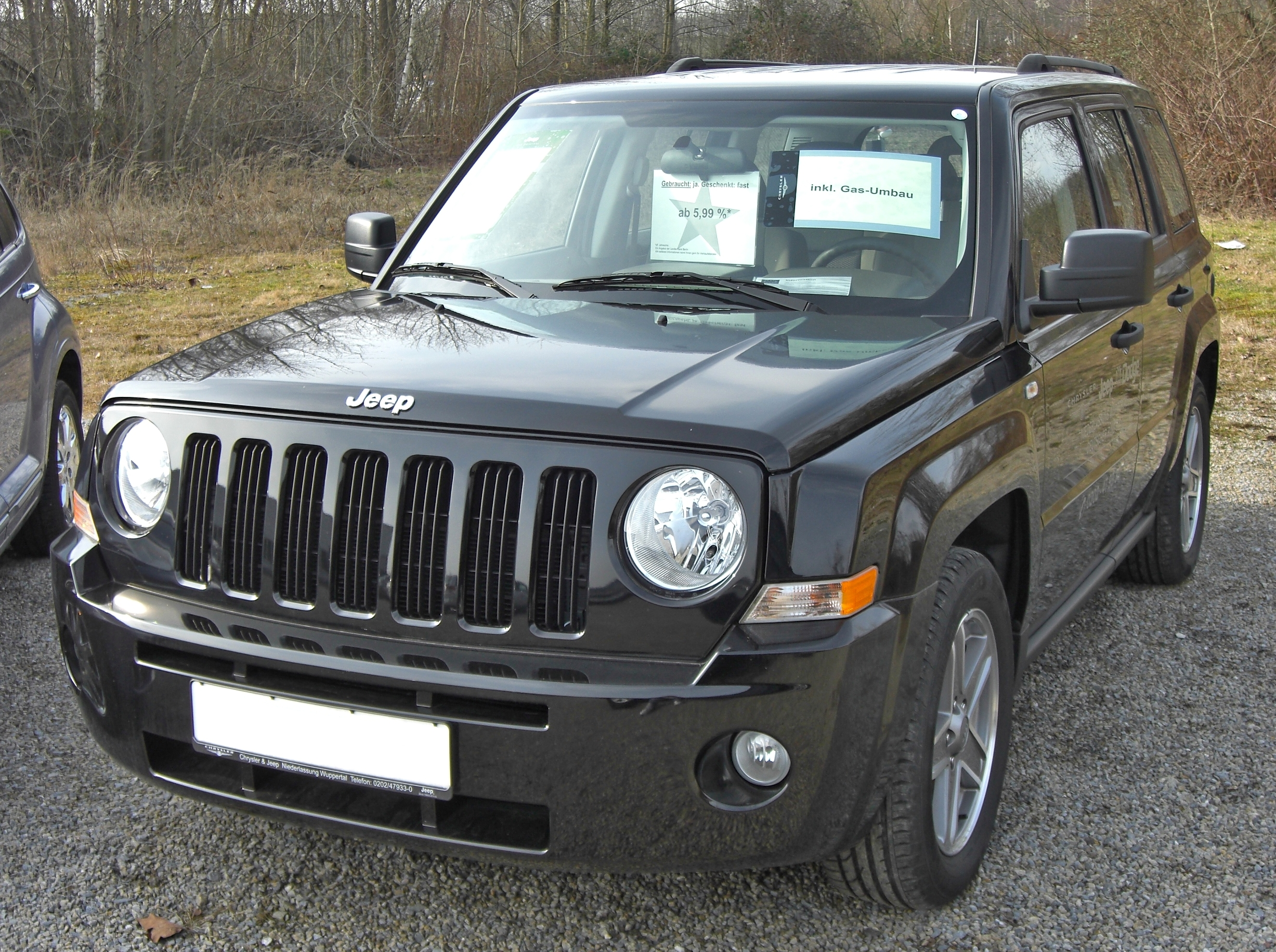Jeep Custom Headlights File:Jeep Patriot 20090301 front.jpg - Wikimedia Commons