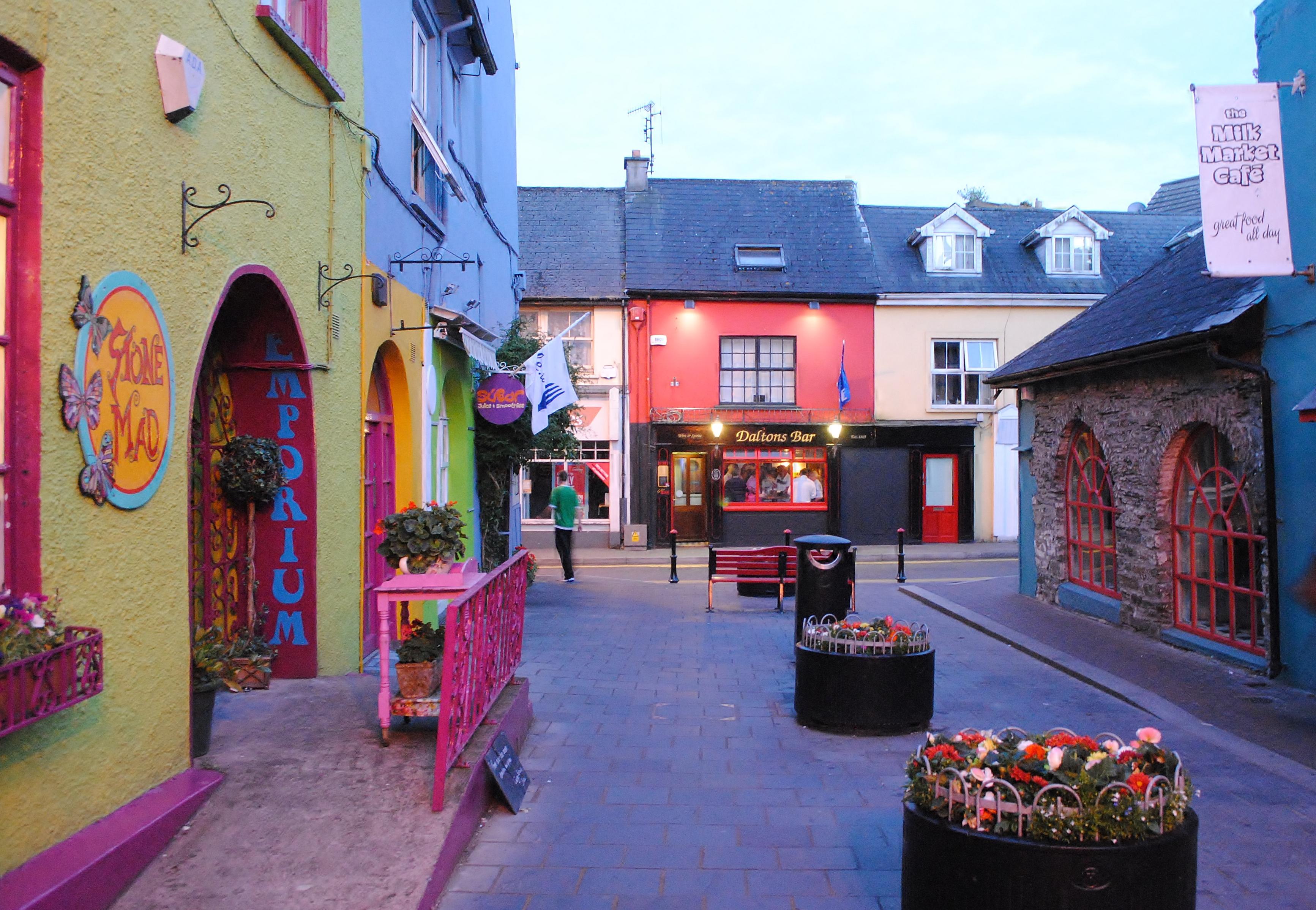 File:Kinsale town.jpg - Wikimedia Commons
