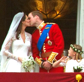 Kate Middleton kisses Prince William on the palace balcony