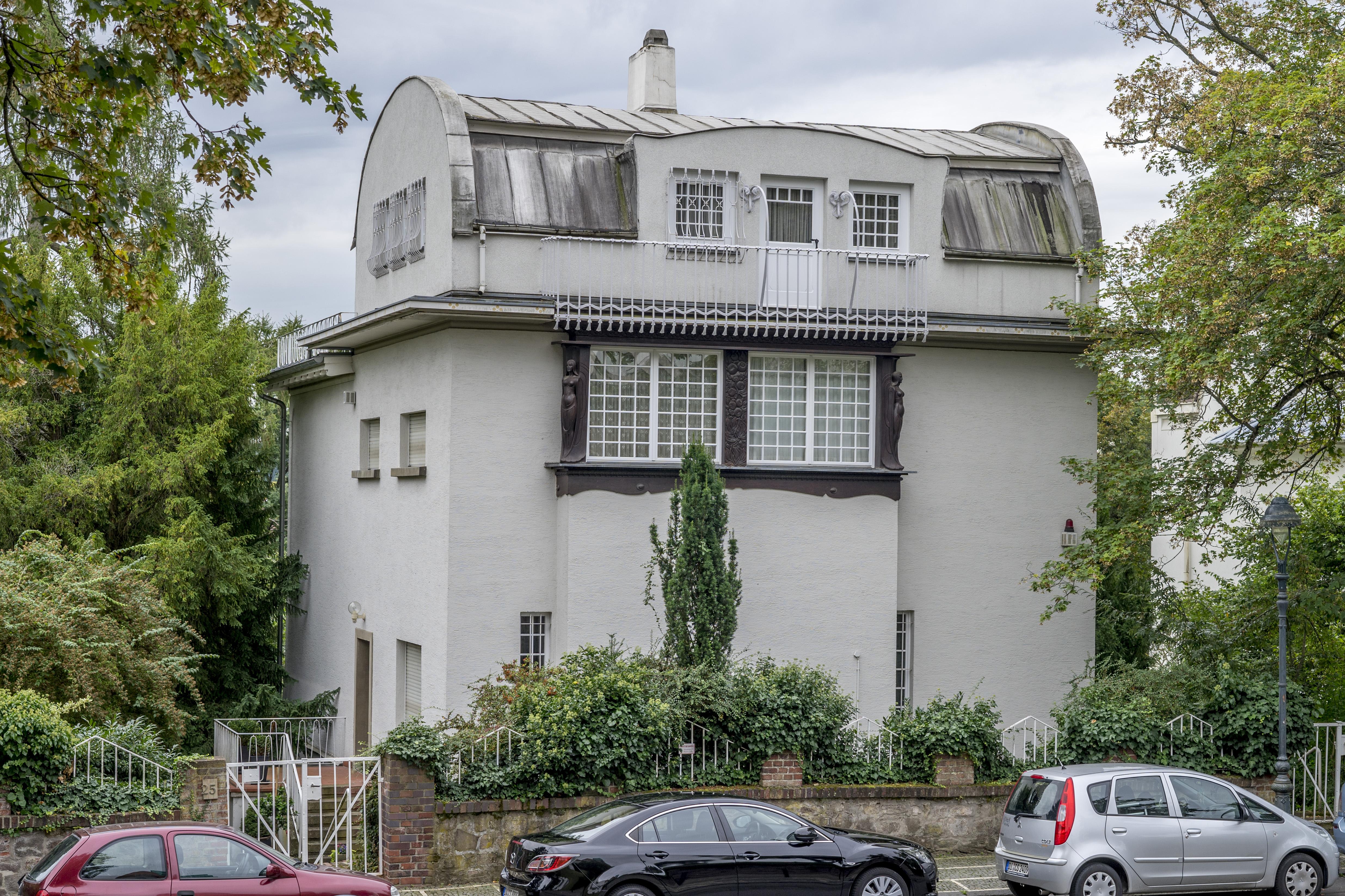 File:Kleines Haus Glückert, Darmstadt 1.jpg - Wikimedia Commons