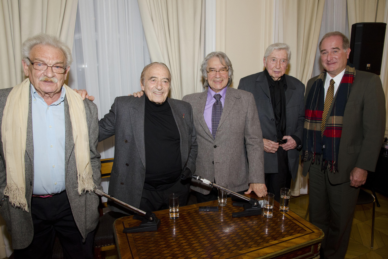 Antonio Seguí, Miguel Ángel Estrella, Raúl Barboza, Julio Le Parc y José Luis Castiñeira de Dios en la Feria del Libro de París (2014).