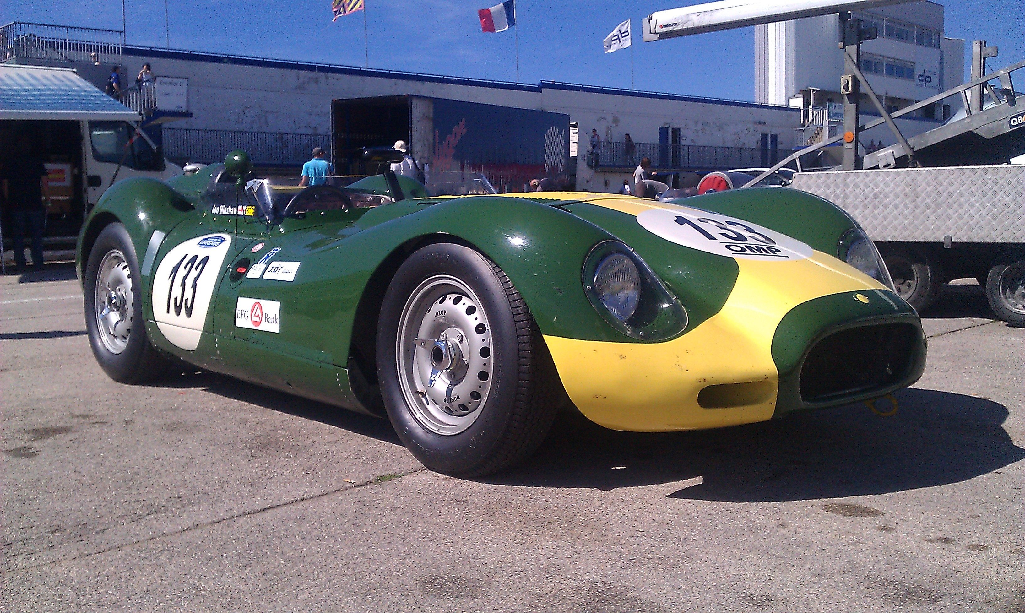 Lister_Jaguar_Knobbly_-_GPAO_2011_static.jpeg