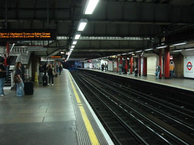 Liverpool Street Tube Station, westbound sub-surface platform - geograph.org.uk - 809837