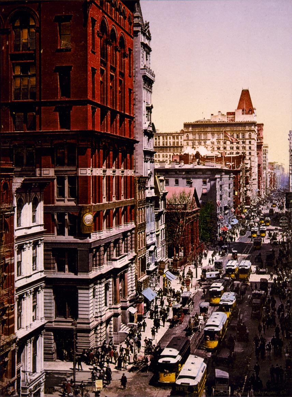 Looking_up_Broadway_from_Dey_Street%2C_New_York_City%2C_1900.jpg