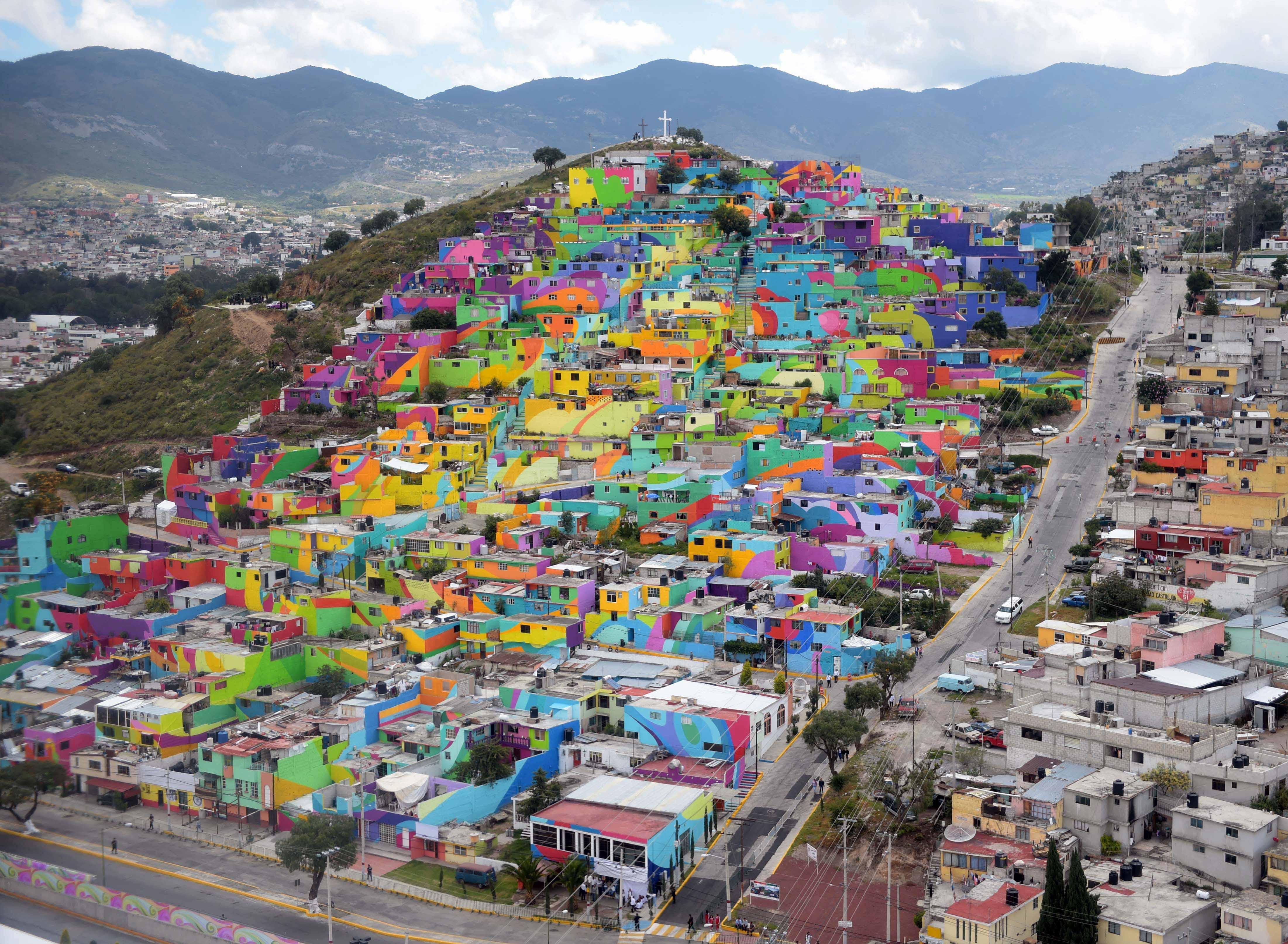 Pachuca mexico tour dates 2016 2017 concert images for Cuales son las caracteristicas de un mural