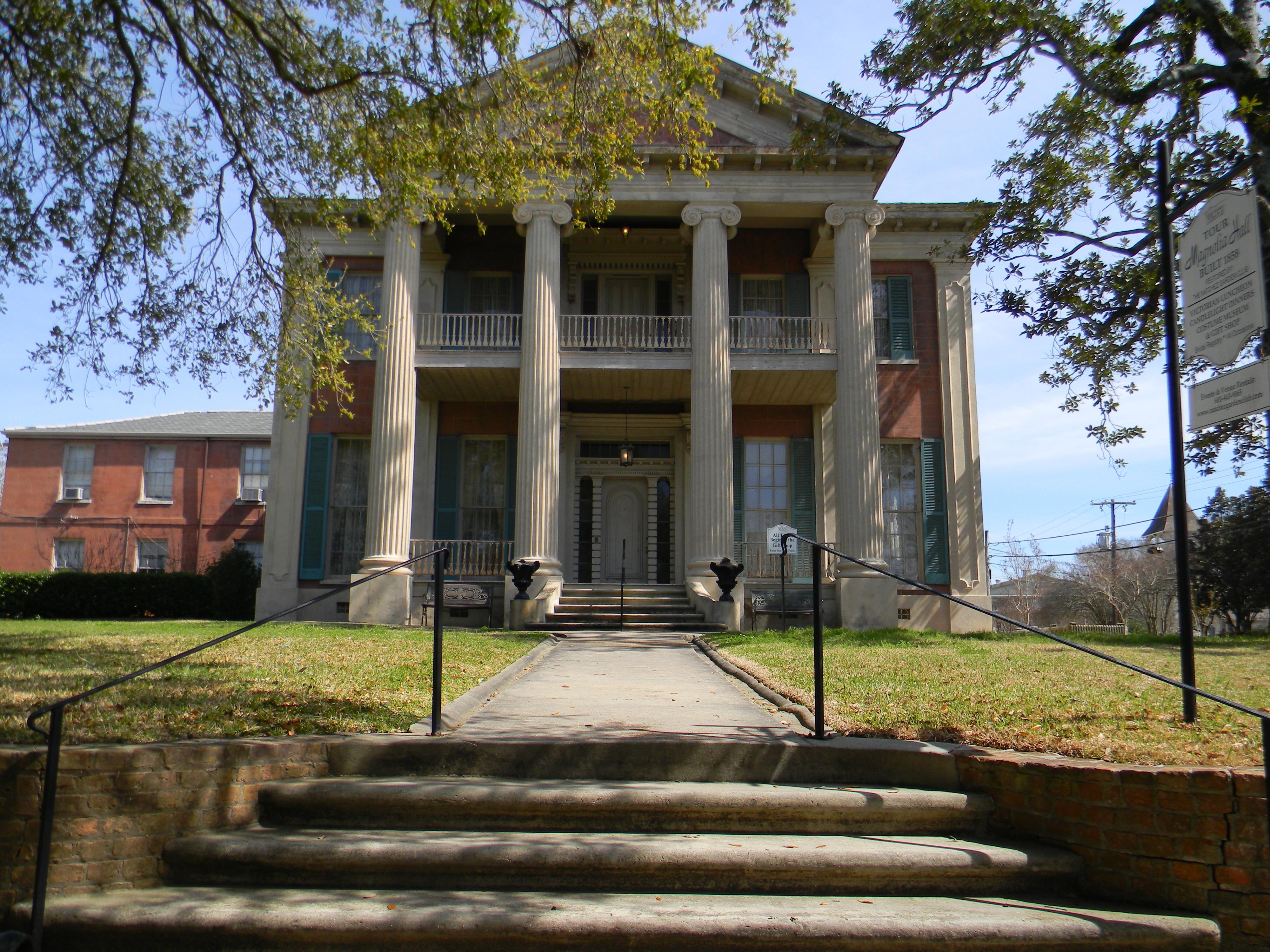 Magnolia Hall Natchez Mississippi USA Front.JPG
