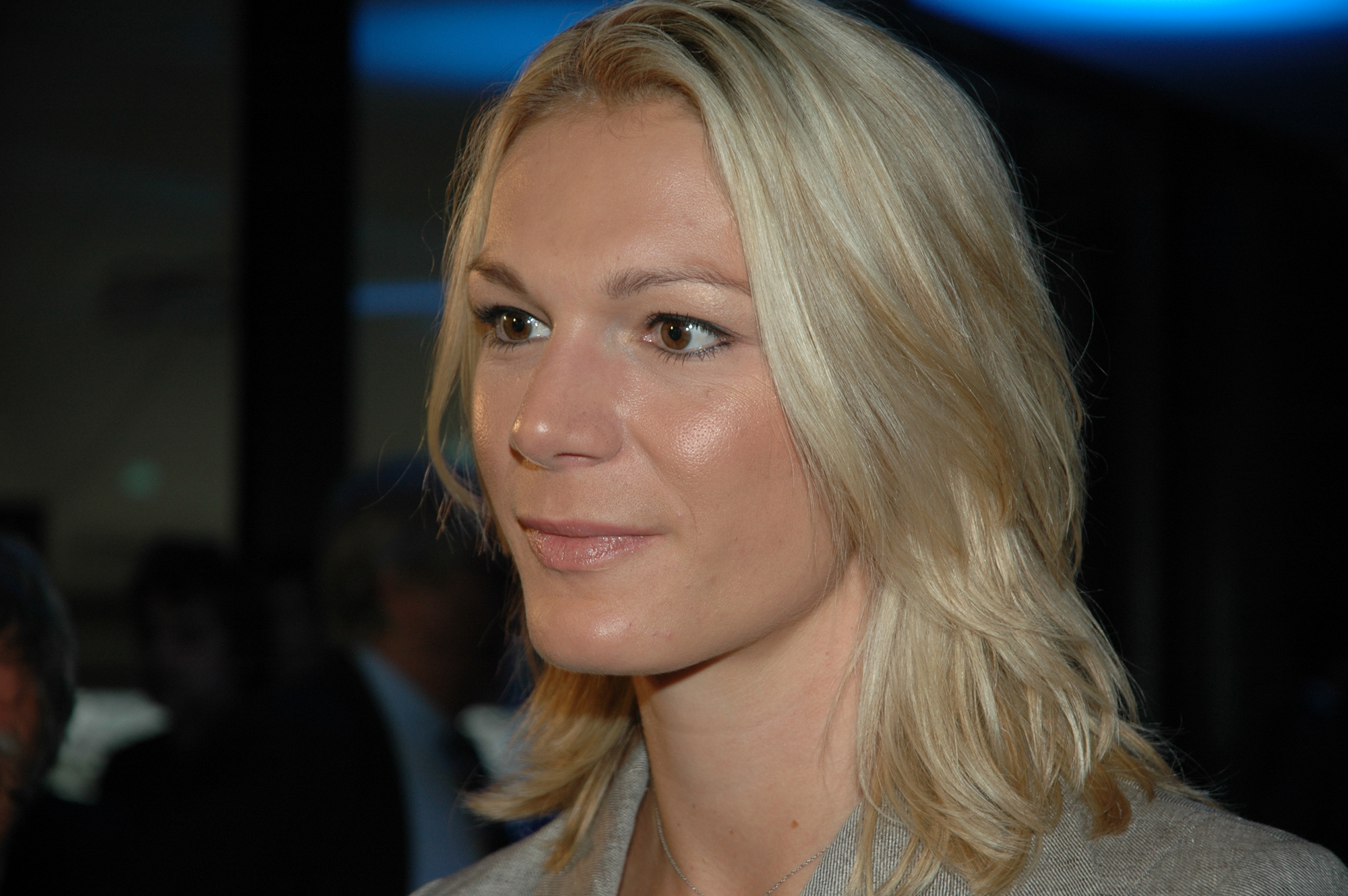 The 32-year old daughter of father Siegfried and mother Monika, 181 cm tall Maria Höfl-Riesch in 2017 photo