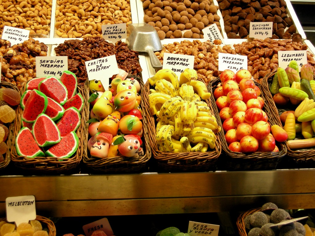 Description Marzipan fruits at the market jpgMazapan Fruit