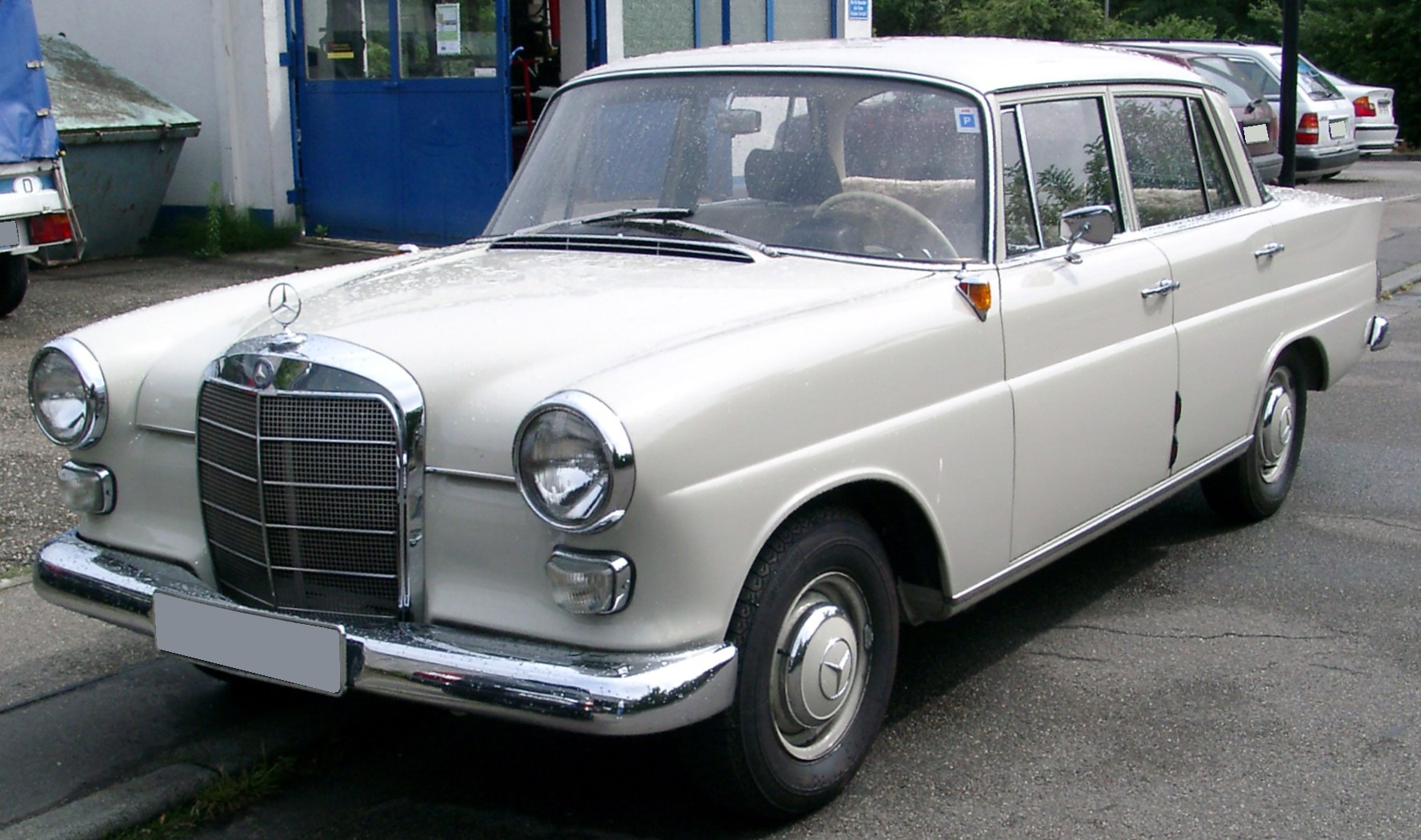 Mercedes benz w110 wikiwand for Mercedes benz w