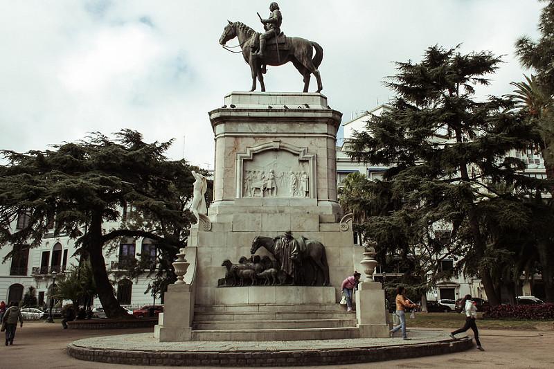 Plaza Zabala - Wikipedia, la enciclopedia libre