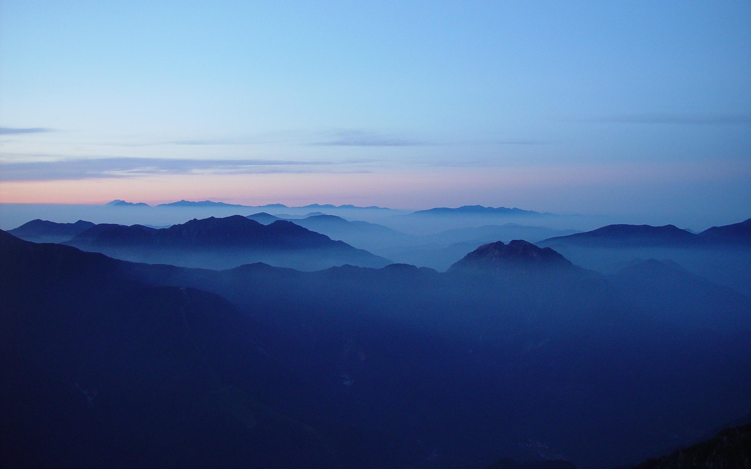 file:mount fuji and akaishi mountains from mount kasa