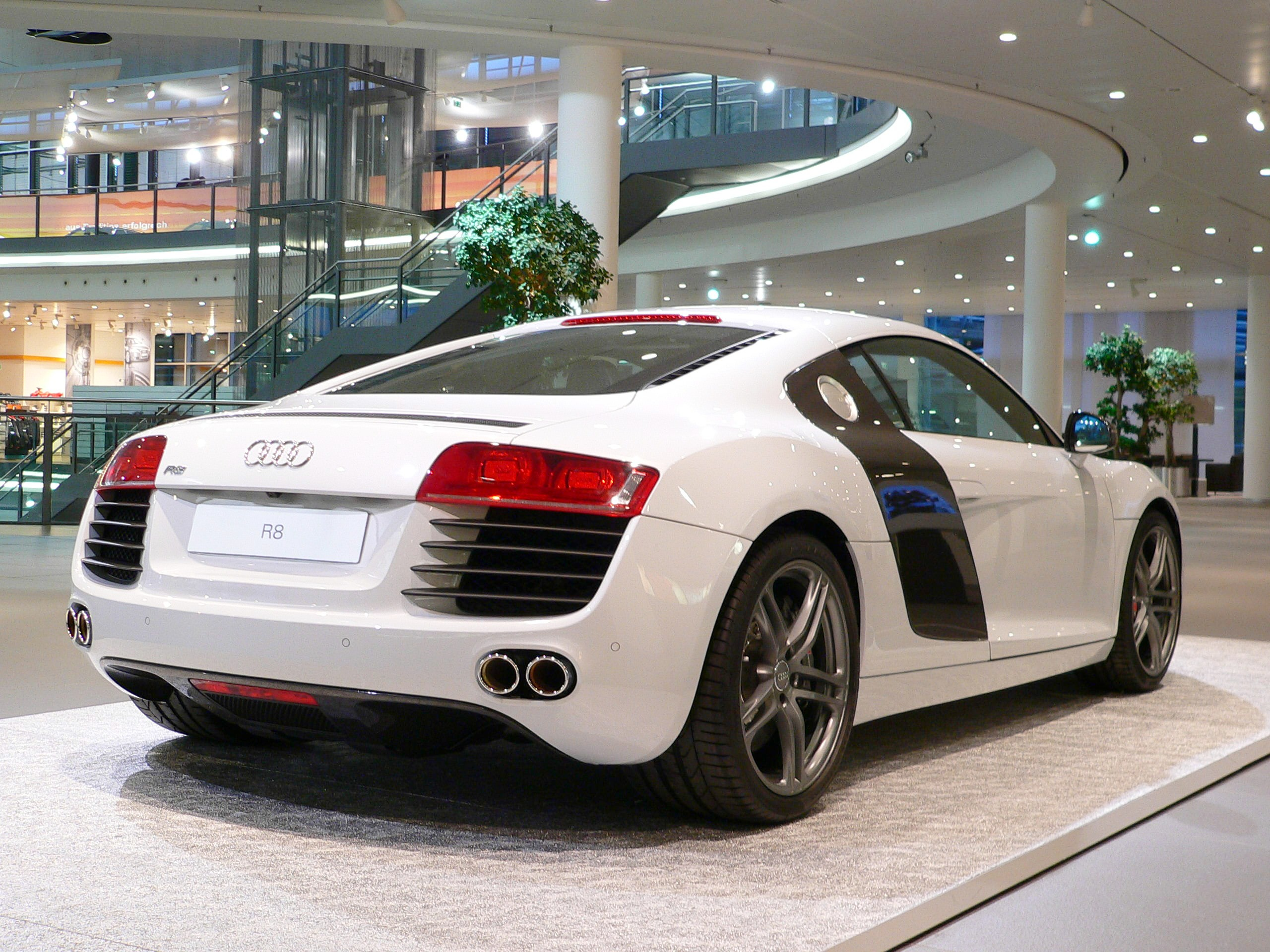 File Neckarsulm Audiforum Audi R8 Side Back Jpg