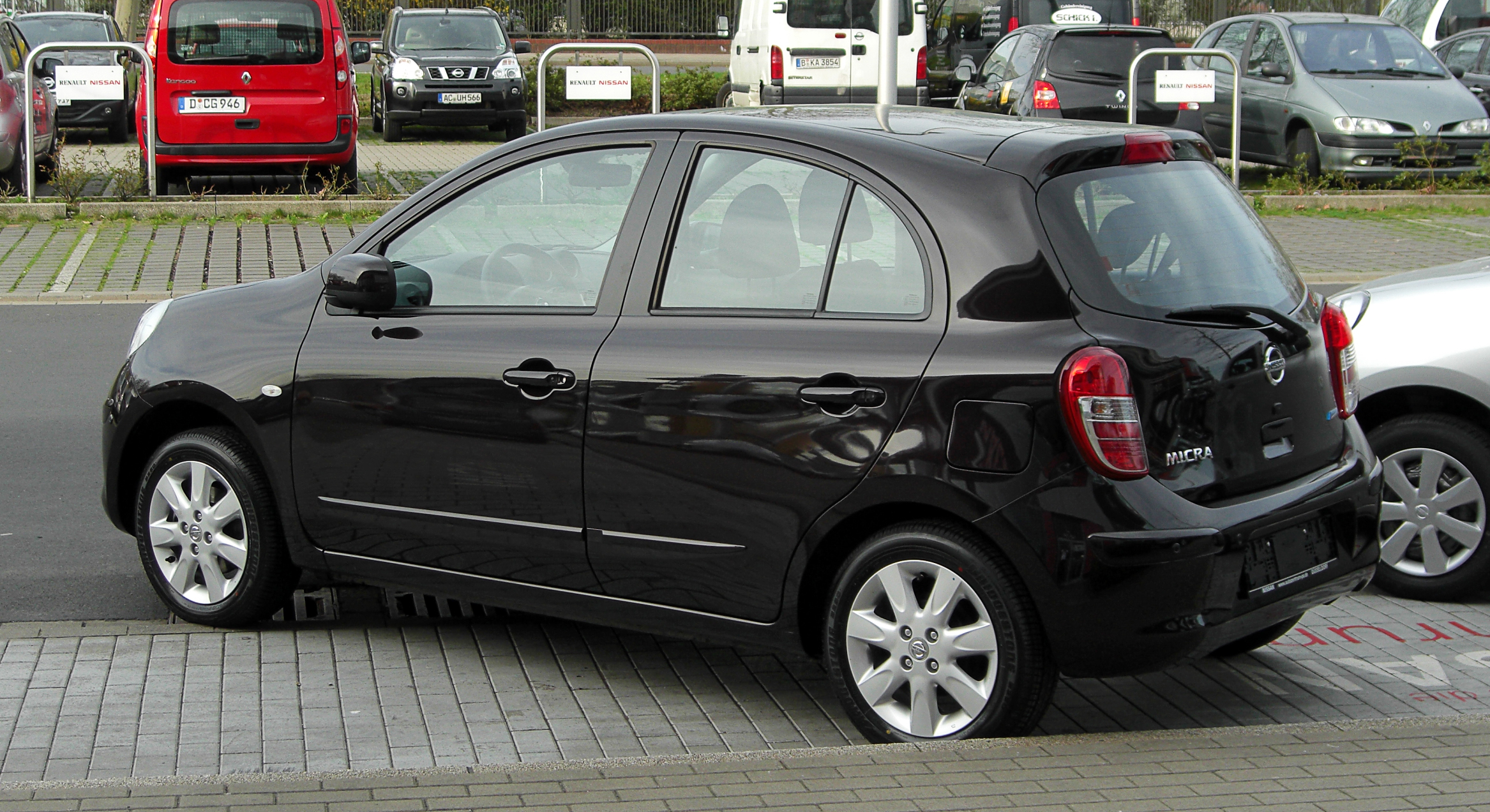 file nissan micra k13 heckansicht 2 april 2011 d wikipedia. Black Bedroom Furniture Sets. Home Design Ideas