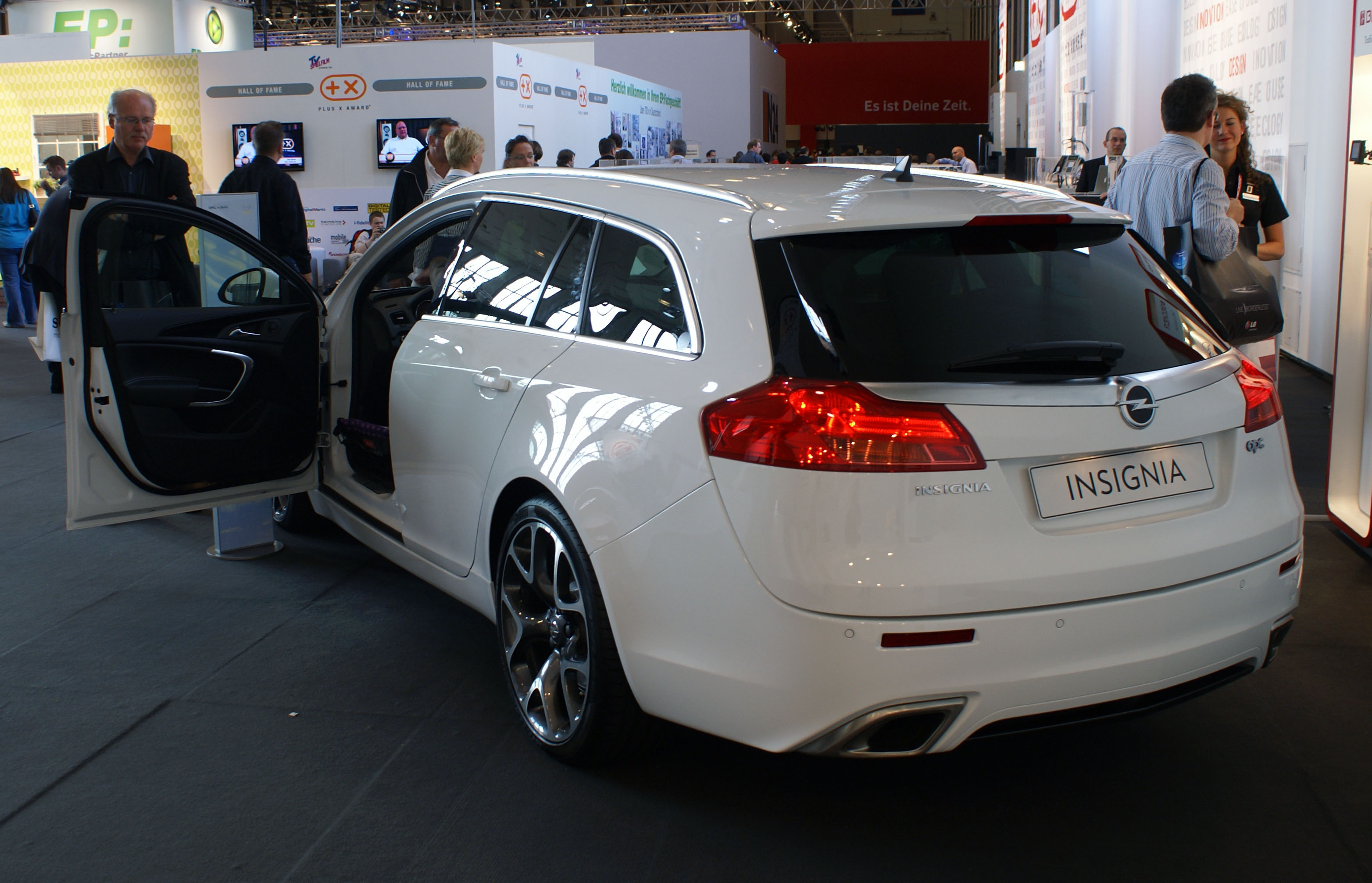 Opel insignia opc sports tourer 5 at 2010 opel insignia opc sports - Description Opel Insignia Opc Caravan White At Ifa 2009 Jpg Car Wallpapers Opel Insignia Opc Sports Tourer