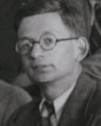 1=Rudolf Peierls, probable 1937 on the occasion of an colloquy with Nobel Price winners.