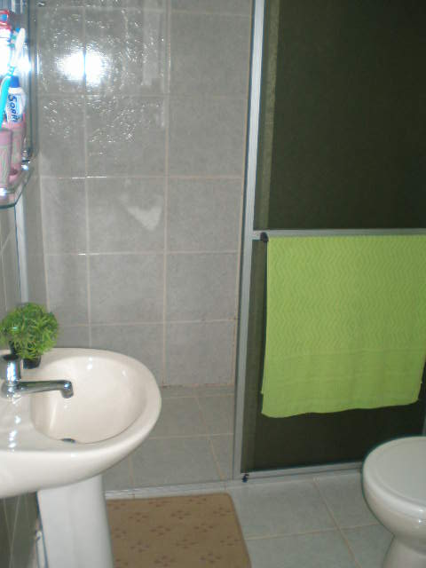FilePia banheirojpg  Wikimedia Commons -> Kits De Pia De Banheiro