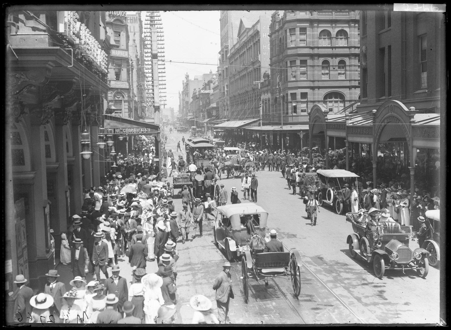 Pitt_Street_near_Market_Street%2C_Sydney_(18592934886).jpg