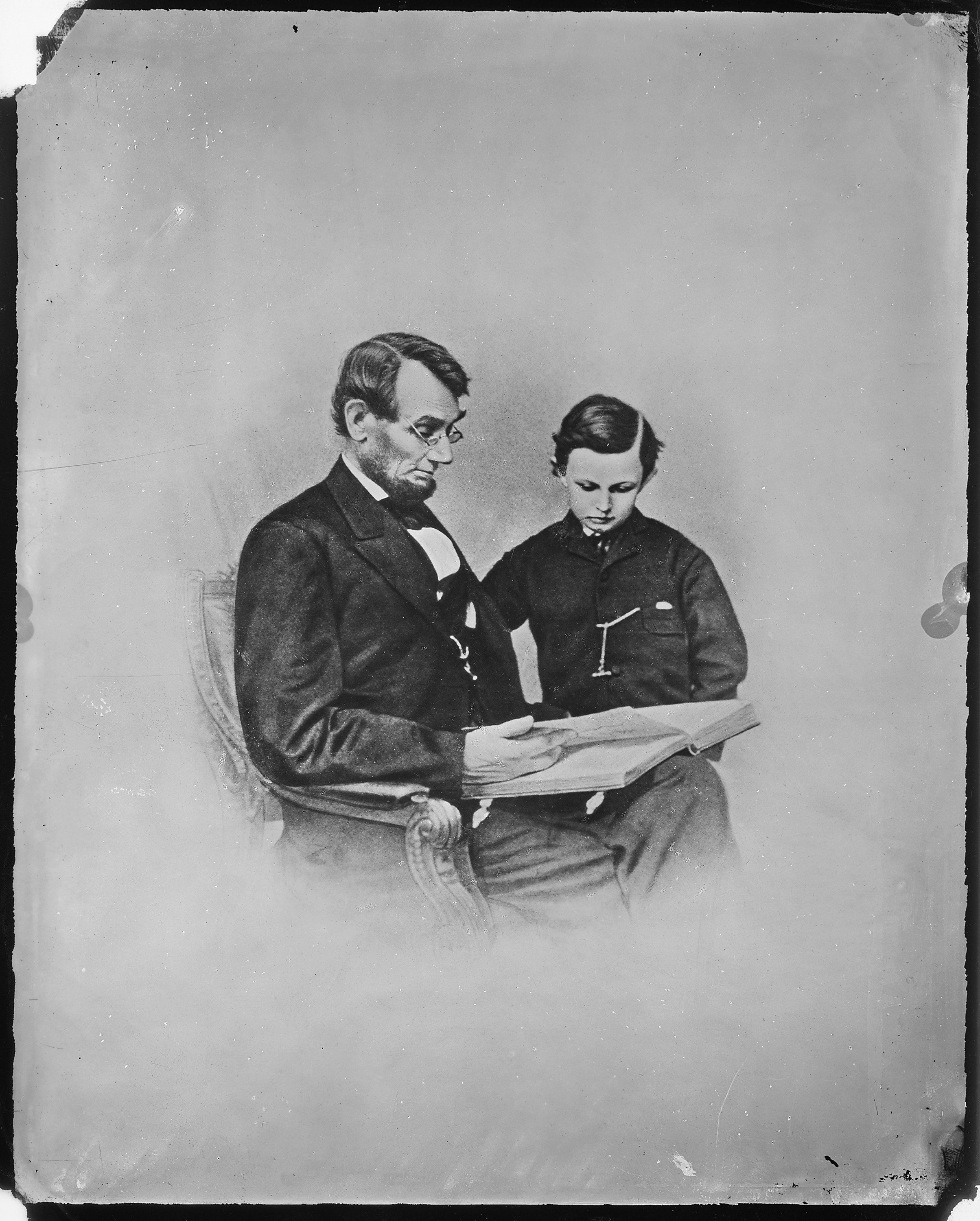 Fine File President Abraham Lincoln And Tad Lincoln Nara 526284 Hairstyles For Men Maxibearus