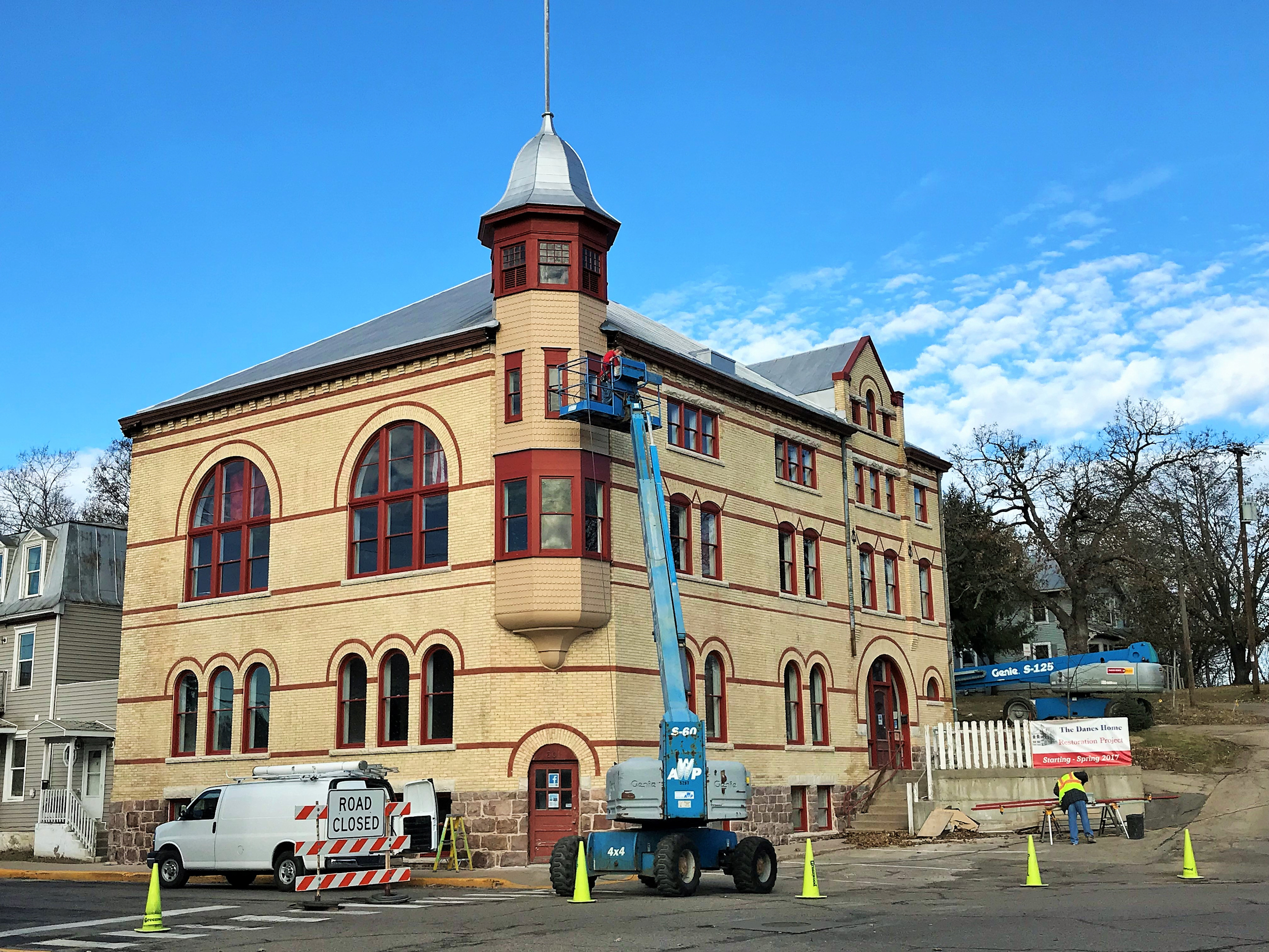 Renovation 3.jpg English: Danes Hall renovations continue. Date 24 November 2017, 10:17:11 Source Own work Author Chitownjohn