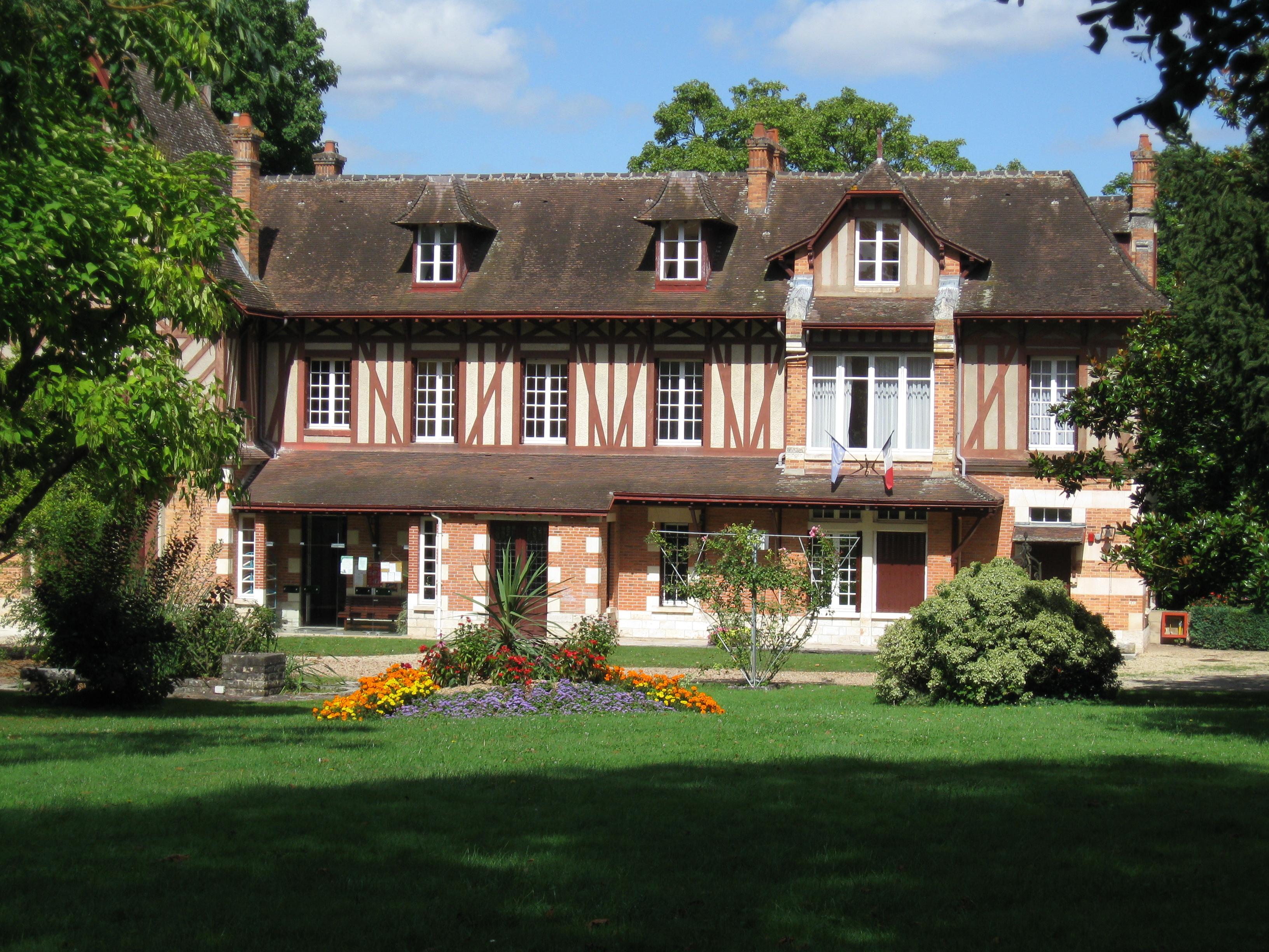 Architecte La Varenne St Hilaire saint-hilaire-saint-mesmin - wikipedia