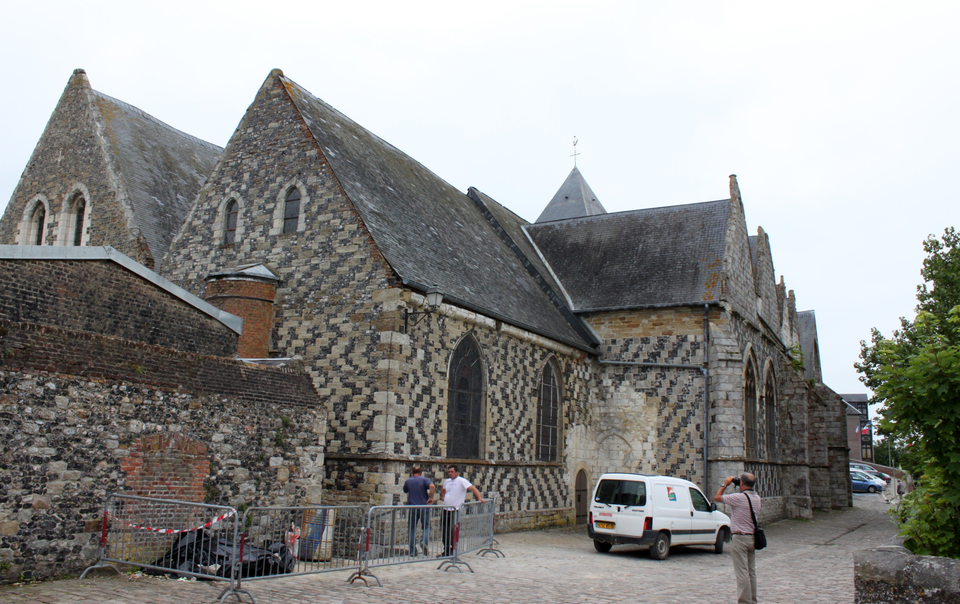 Description Saint-Valery-sur-Somme - Eglise Saint-Martin 2.JPG