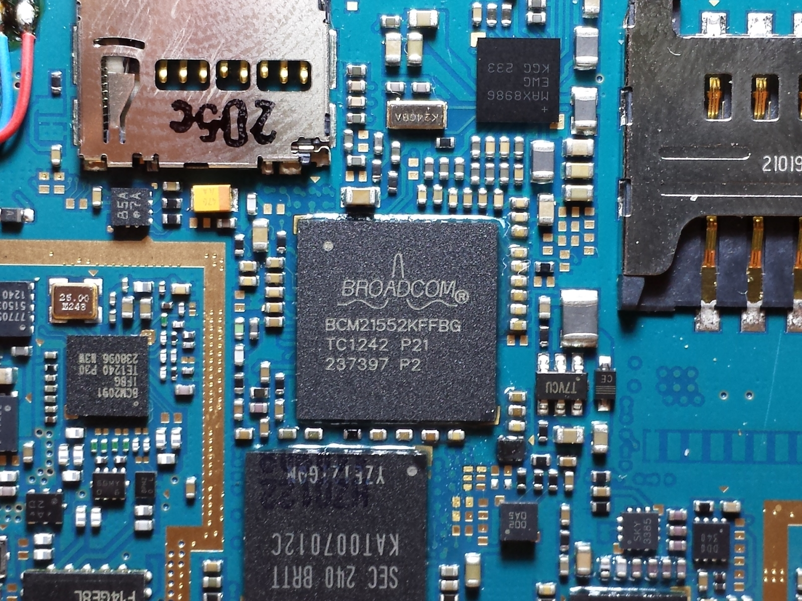 File:Samsung Galaxy Y S5360 Broadcom-BCM21552 SoC.jpg - Wikimedia Commons