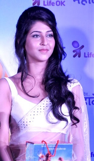 De 28-años 168 cm de altura Sonarika Bhadoria en 2021 foto