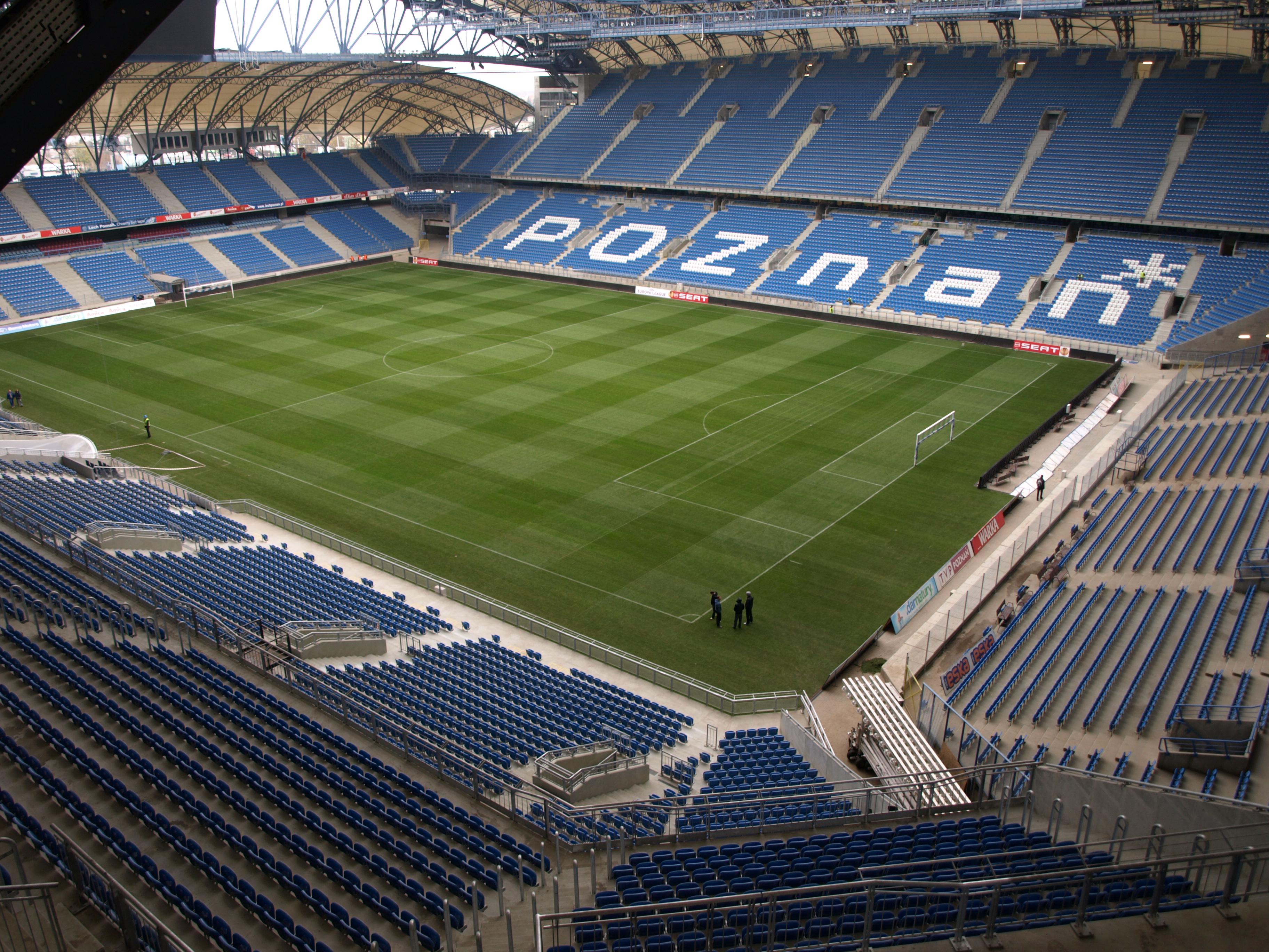 https://upload.wikimedia.org/wikipedia/commons/4/45/Stadion_Lecha_Poznan._2010-11-03_%284%29.JPG
