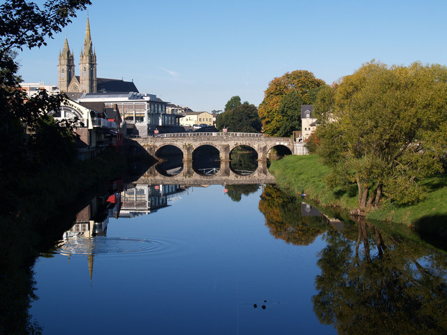 File:Still water, Omagh - geograph.org.uk - 891312.jpg
