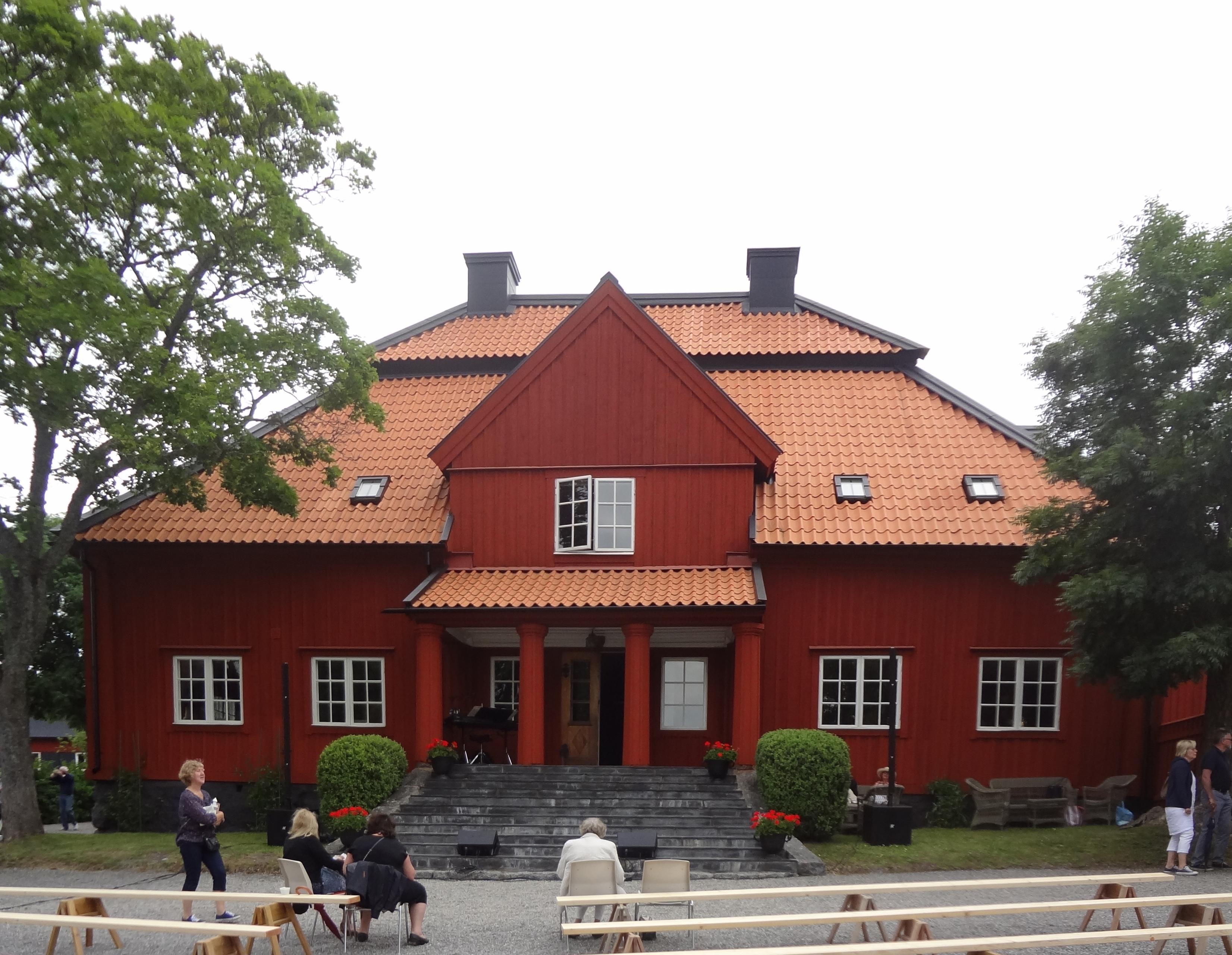 File Sundby Gard 2012 Jpg Wikimedia Commons